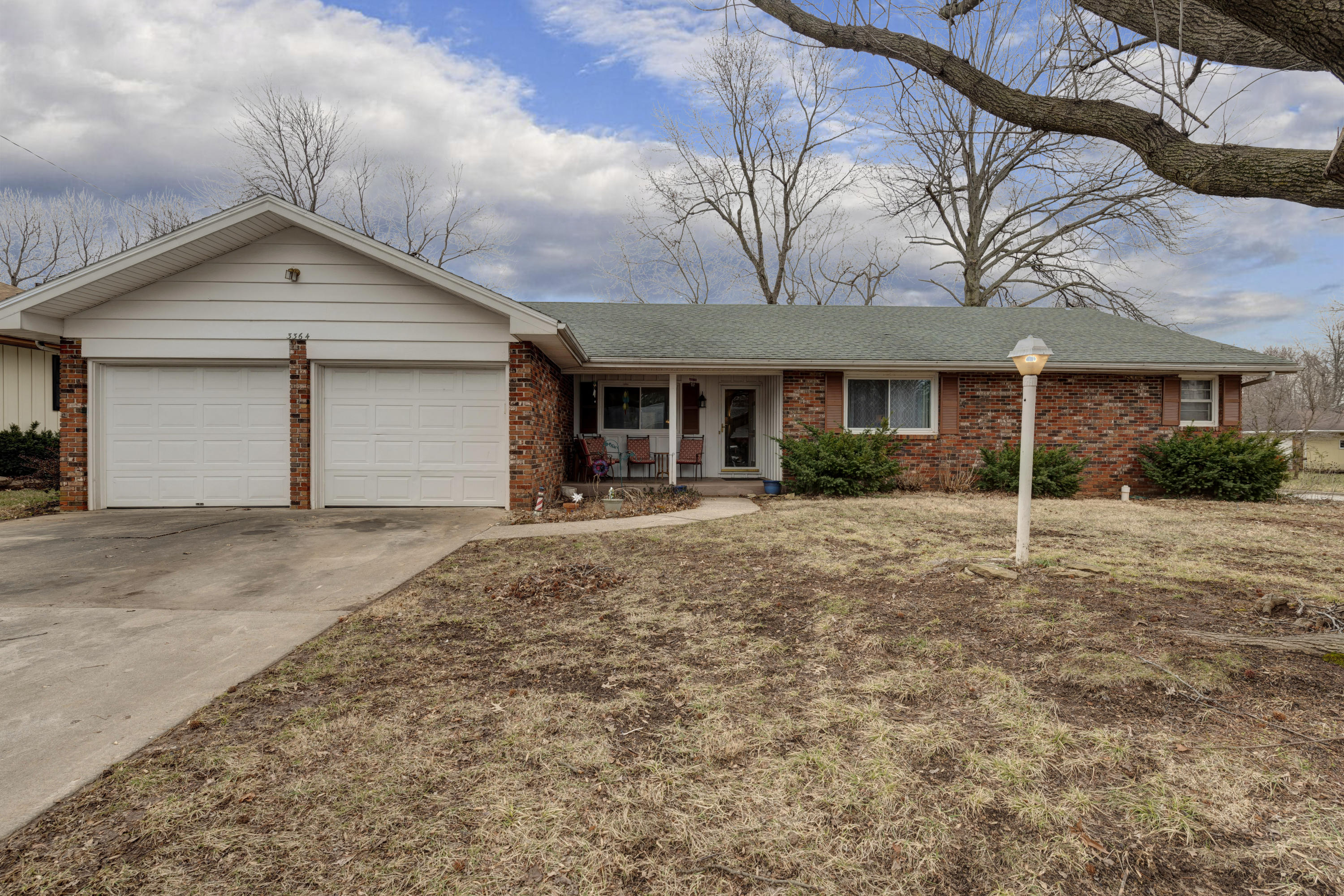 3364 South Winton Place Springfield, MO 65804