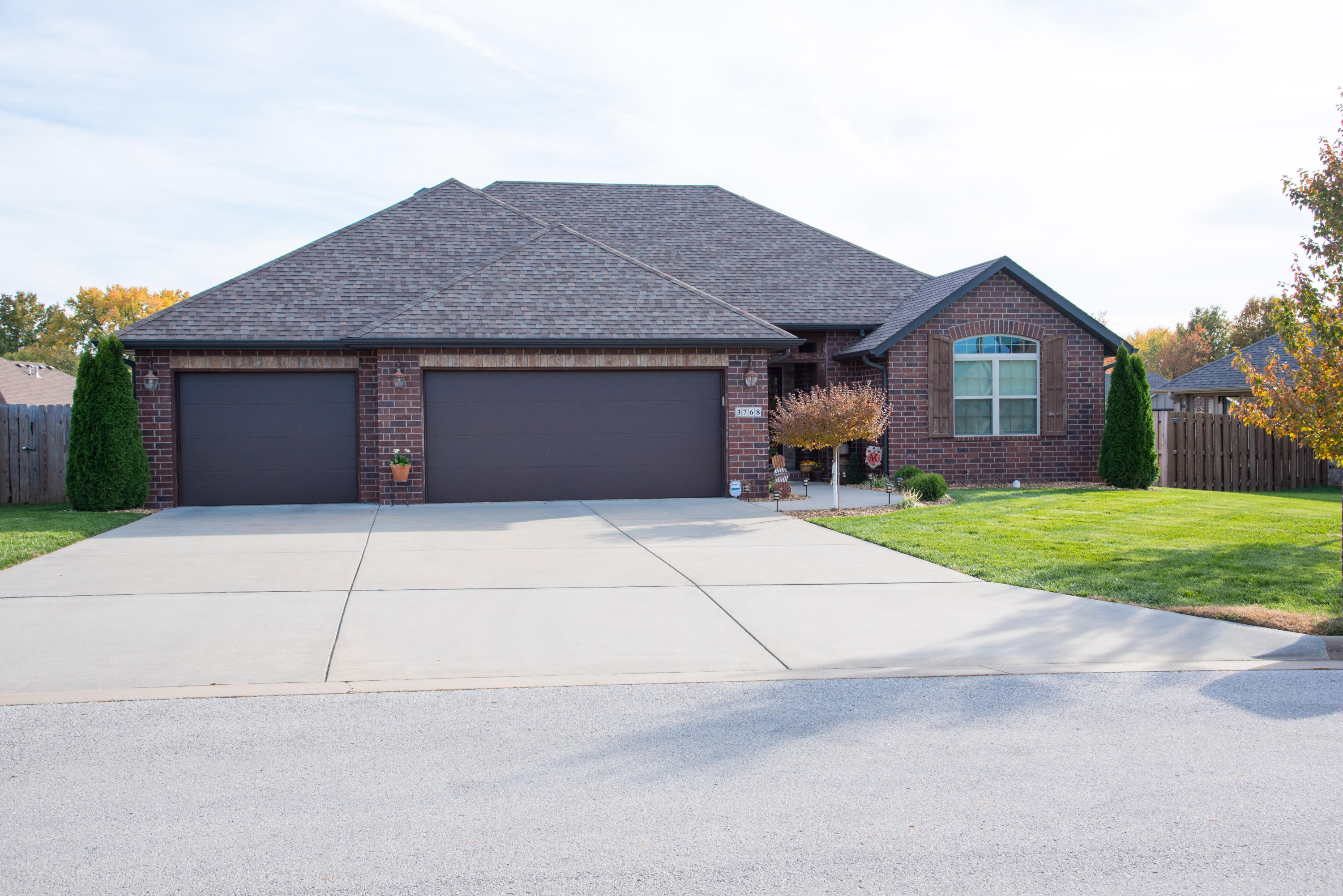 3768 West River Rock Street Springfield, MO 65807