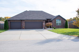 3768 West River Rock Street, Springfield, MO 65807