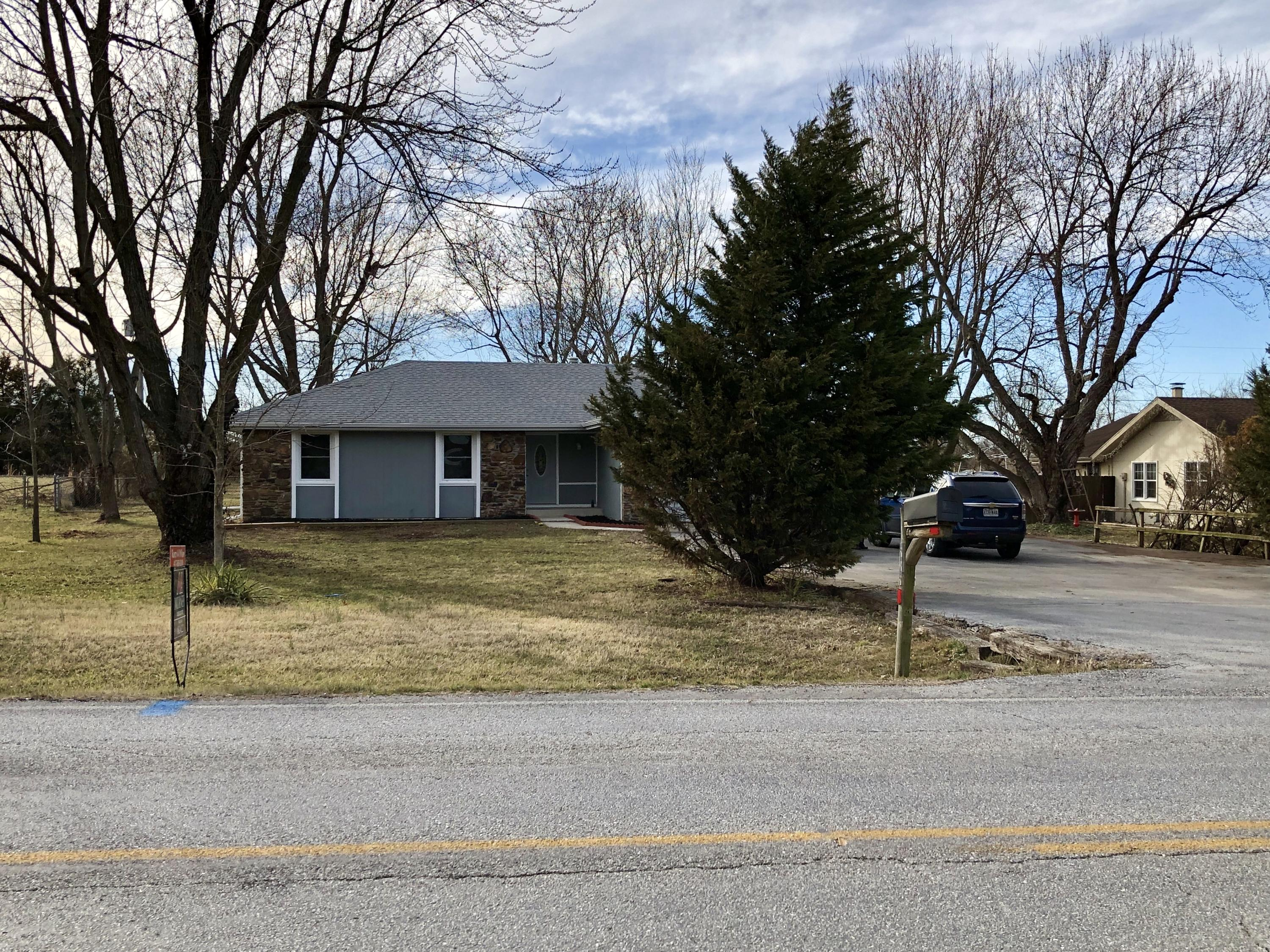 5305 South State Hwy Ff Battlefield, MO 65619