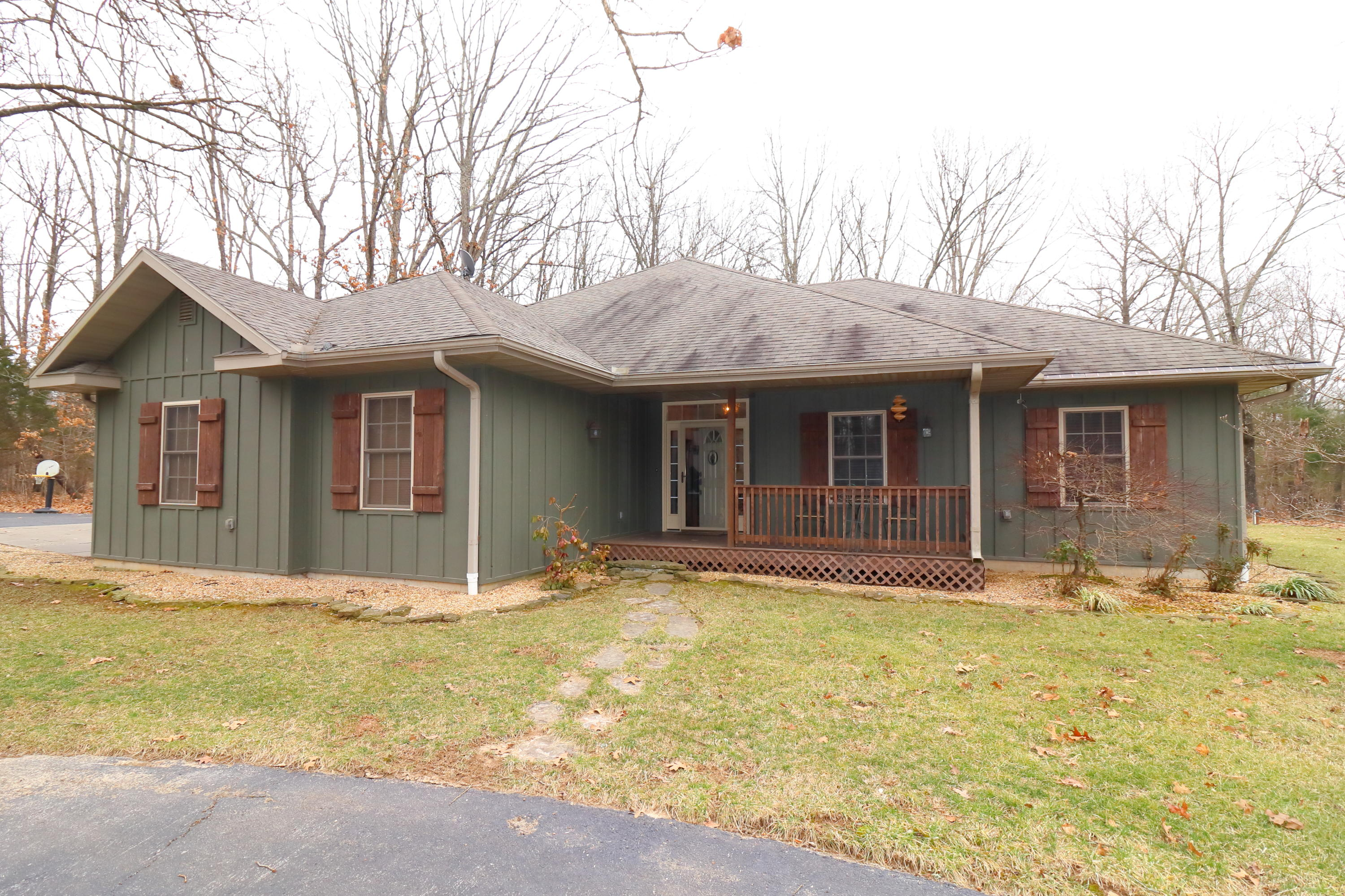 225 South Wood Road Rogersville, MO 65742