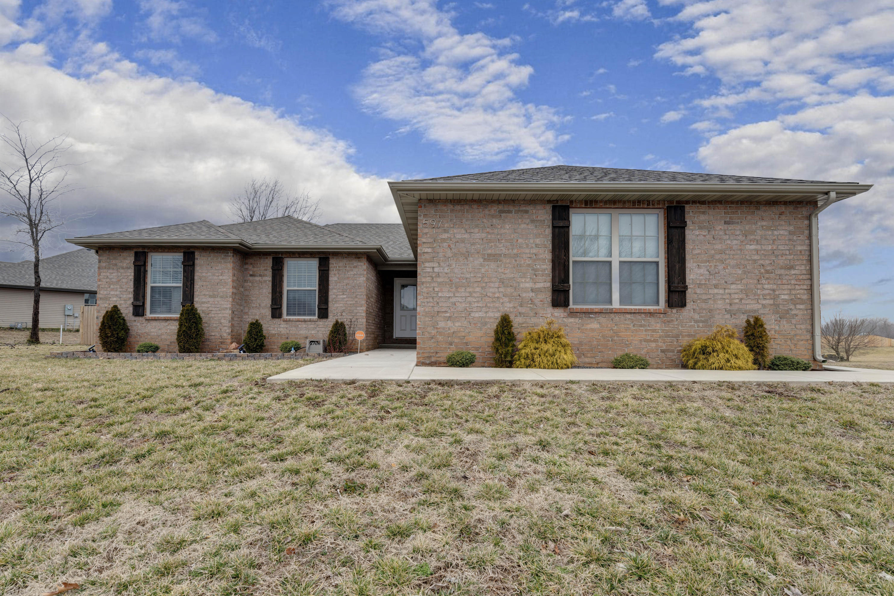 597 South Long Drive Springfield, MO 65802