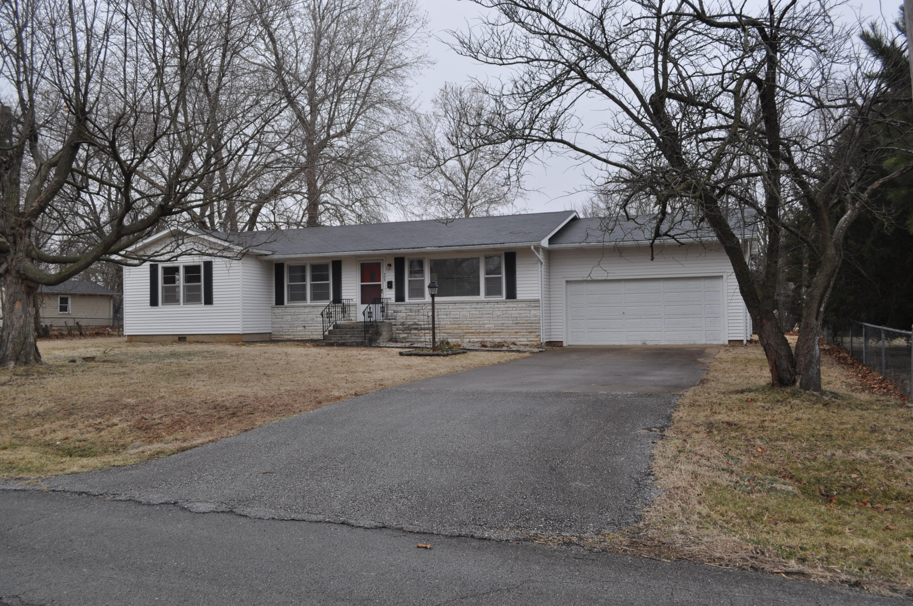 305 West Lawrence Street Marionville, MO 65705