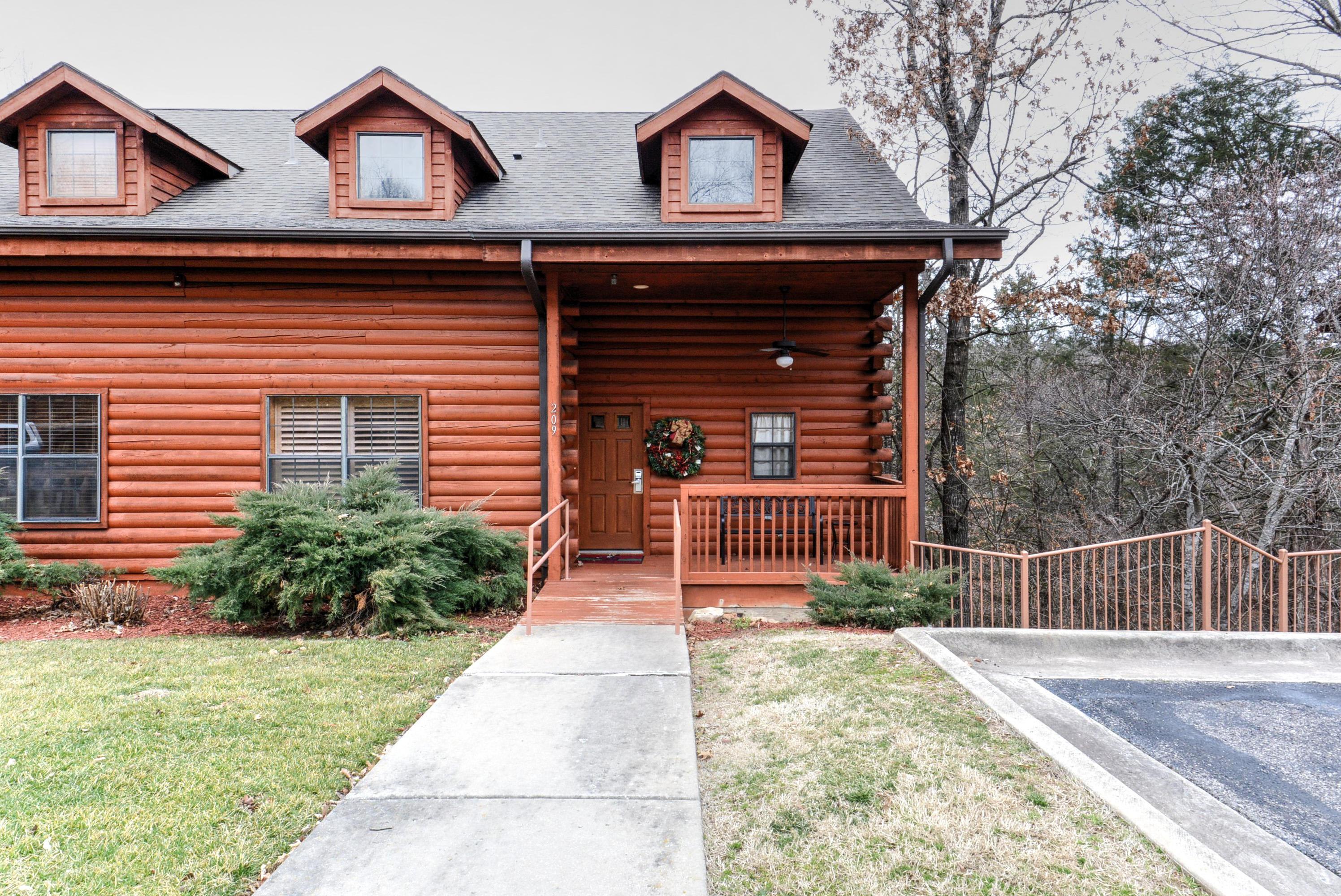 209 Oak Ridge Road Branson, MO 65616