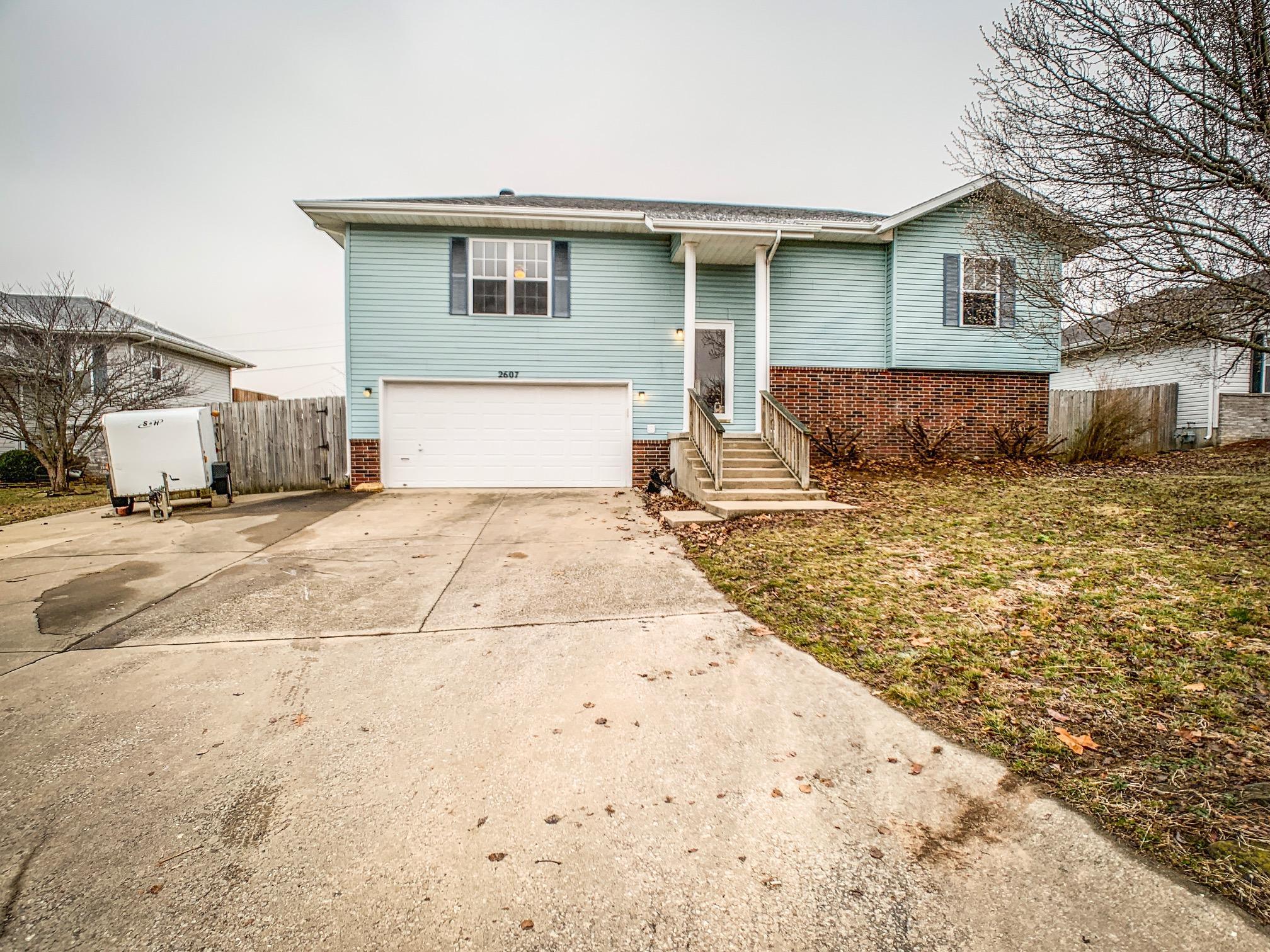 2607 South Lilac Street Ozark, MO 65721