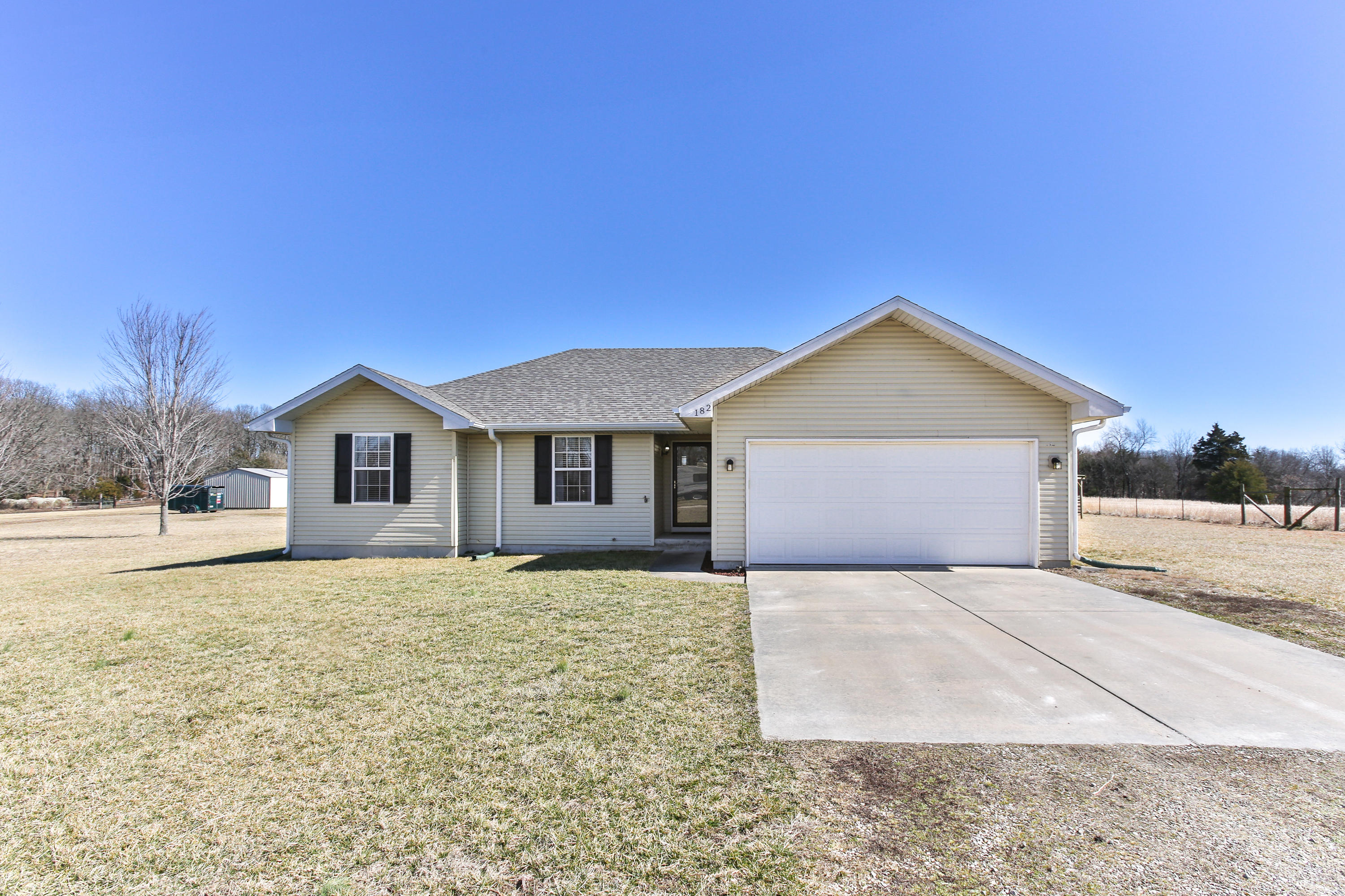 182 Red Rock Drive Rogersville, MO 65742