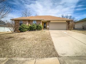 2528 North West Avenue, Springfield, MO 65803