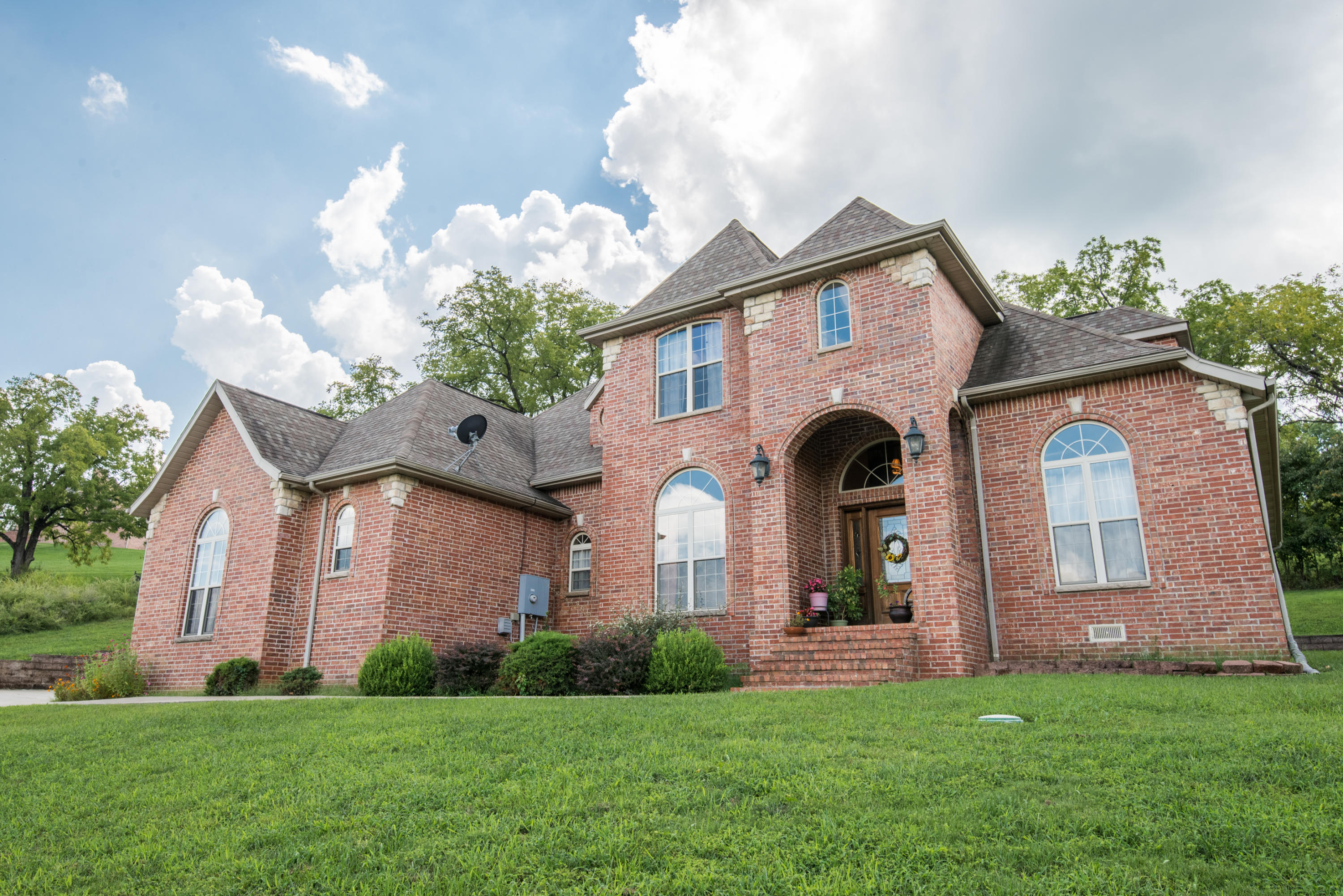 180 White Oak Circle Walnut Shade, MO 65771