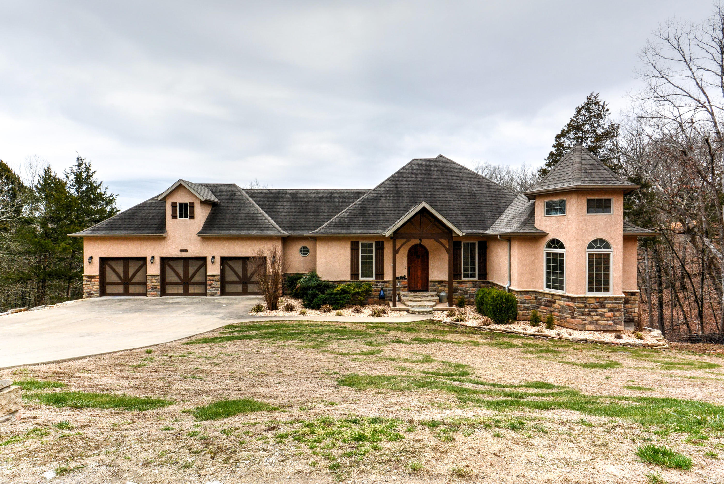 242 Peaceful Drive Branson, MO 65616