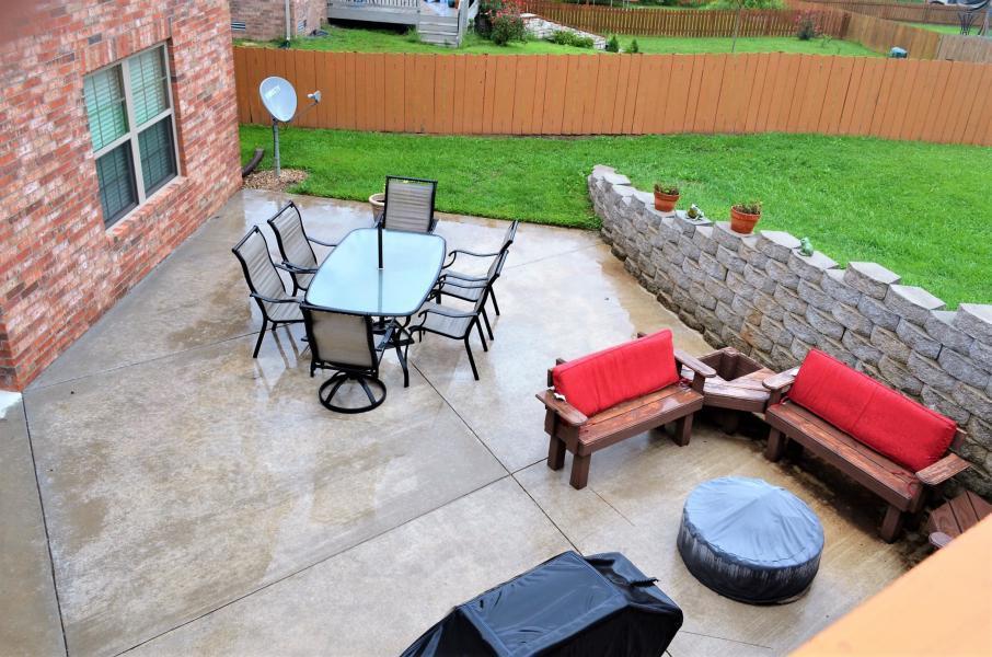 846 East Meadow Garden Court Nixa, MO 65714