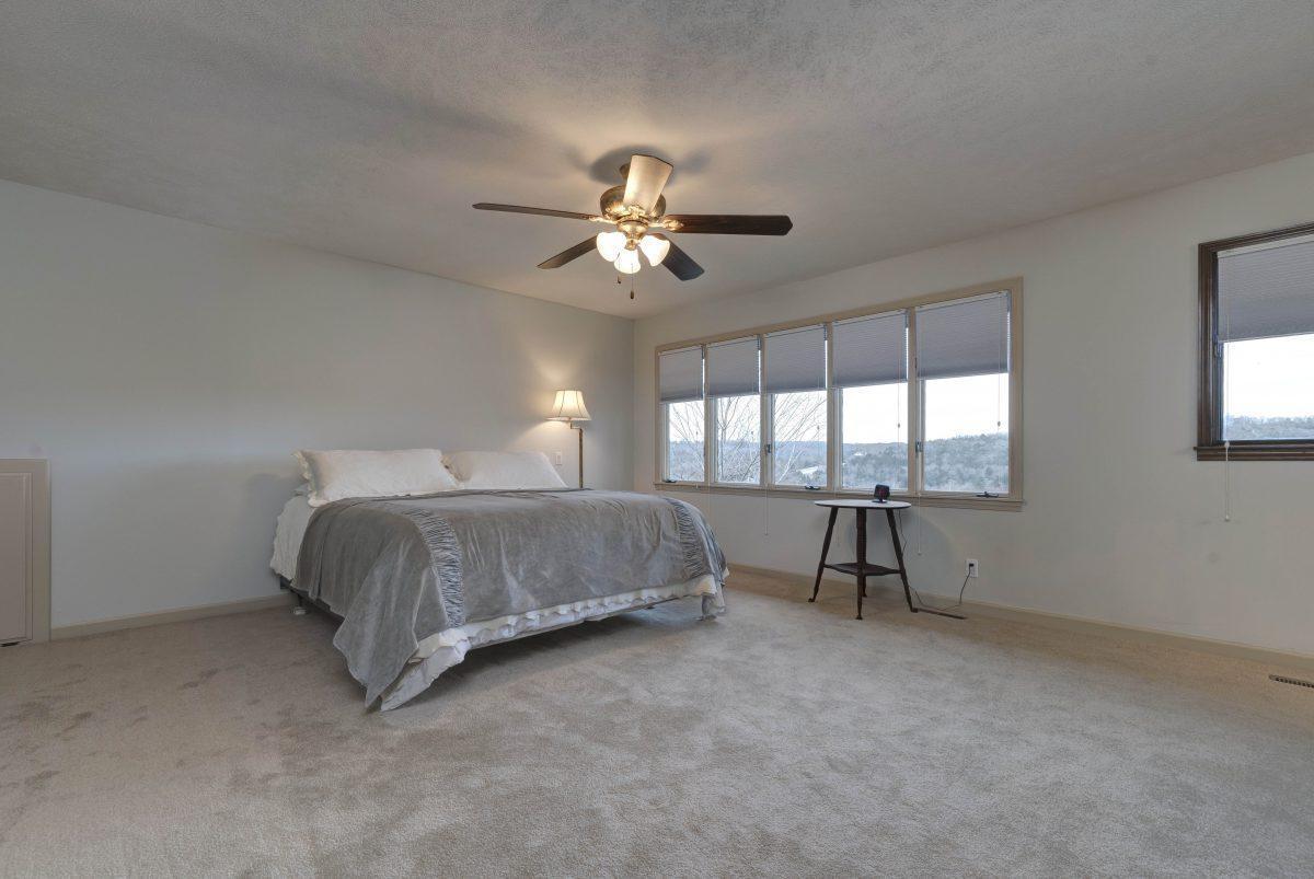 740 Oak Bluff Road Branson, MO 65616