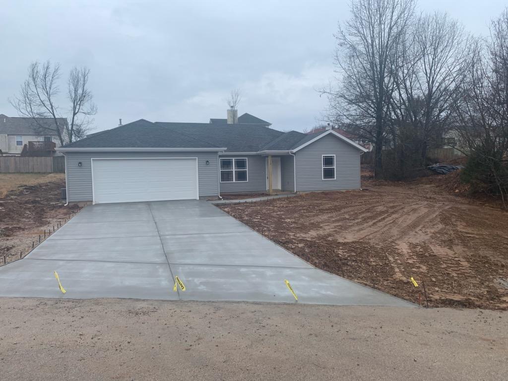 119 West Marion Lane Kirbyville, MO 65679