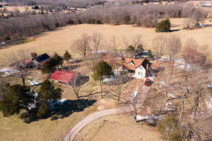 7126 North Crystal Cave Lane, Springfield, MO 65803