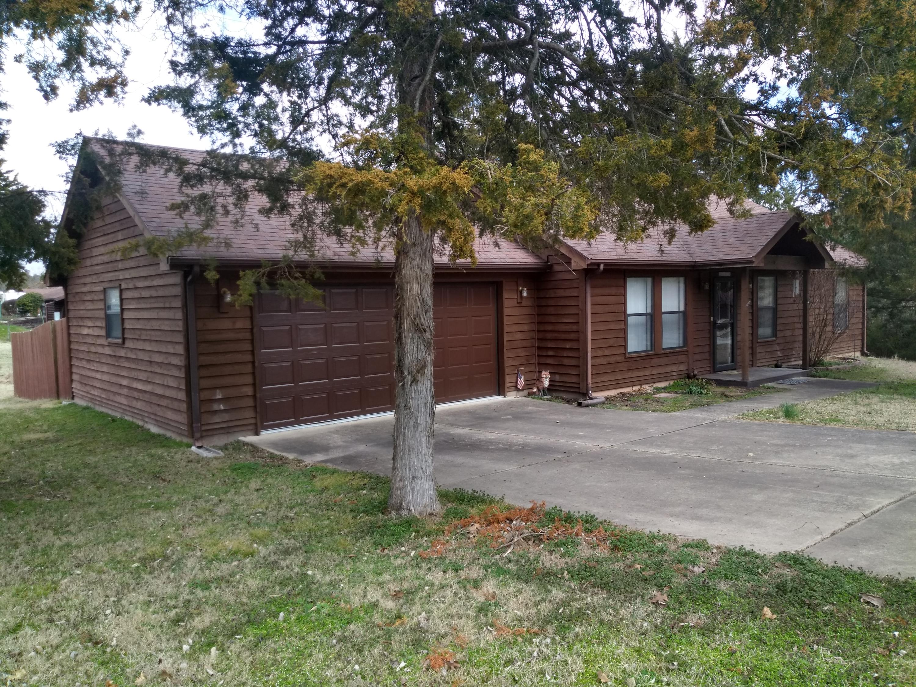 310 Valley Stream Circle Hollister, MO 65672