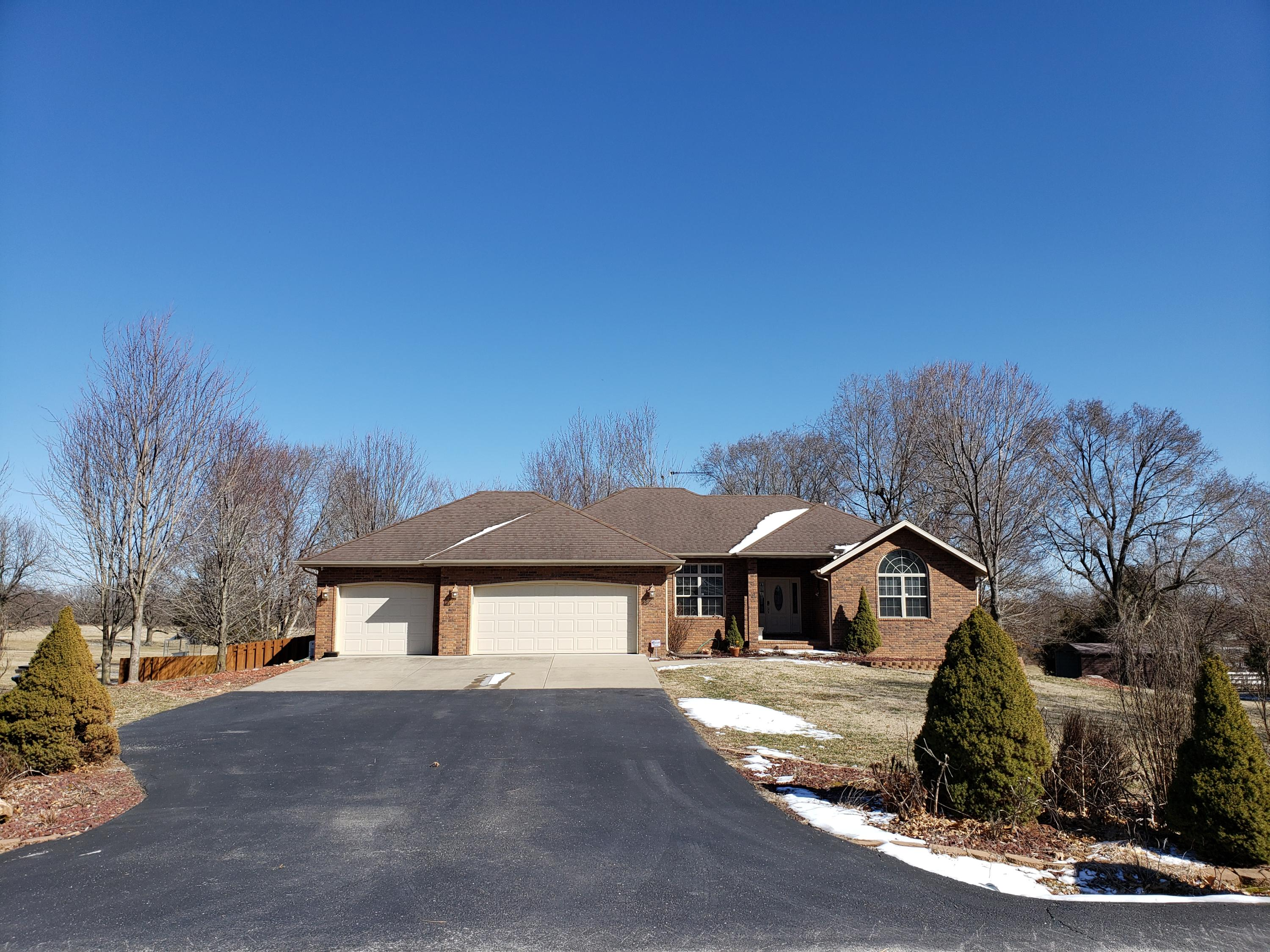 542 South Westwind Drive Springfield, MO 65802