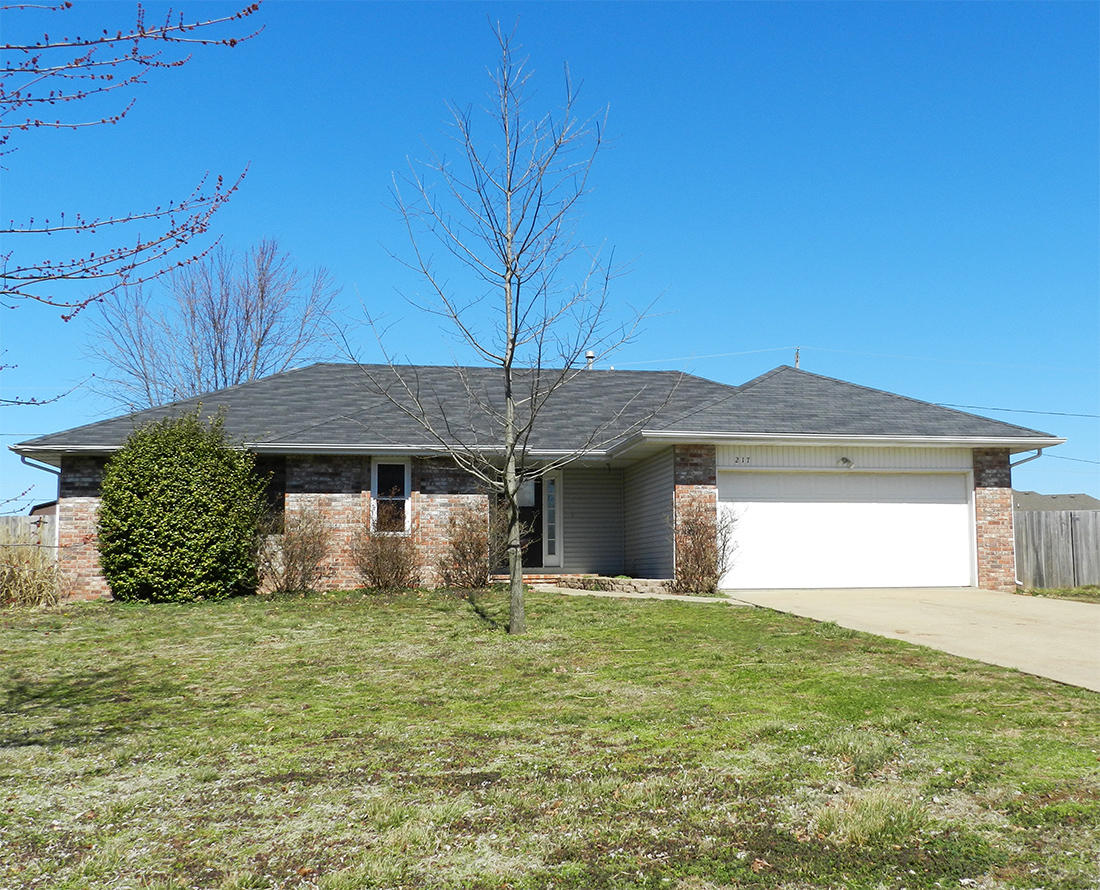 217 East New Melville Road Willard, MO 65781