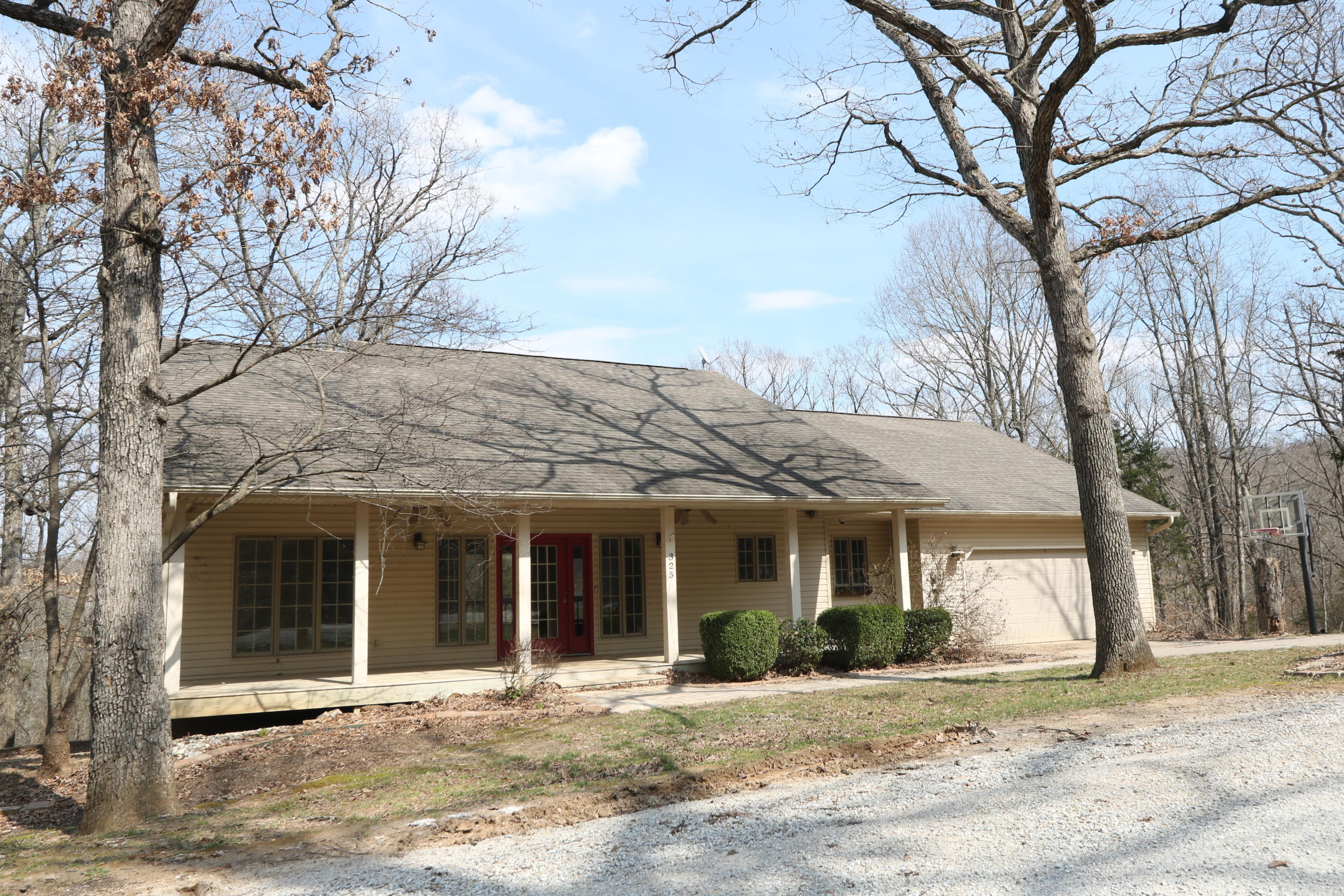 325 Mountain View Drive Ridgedale, MO 65739