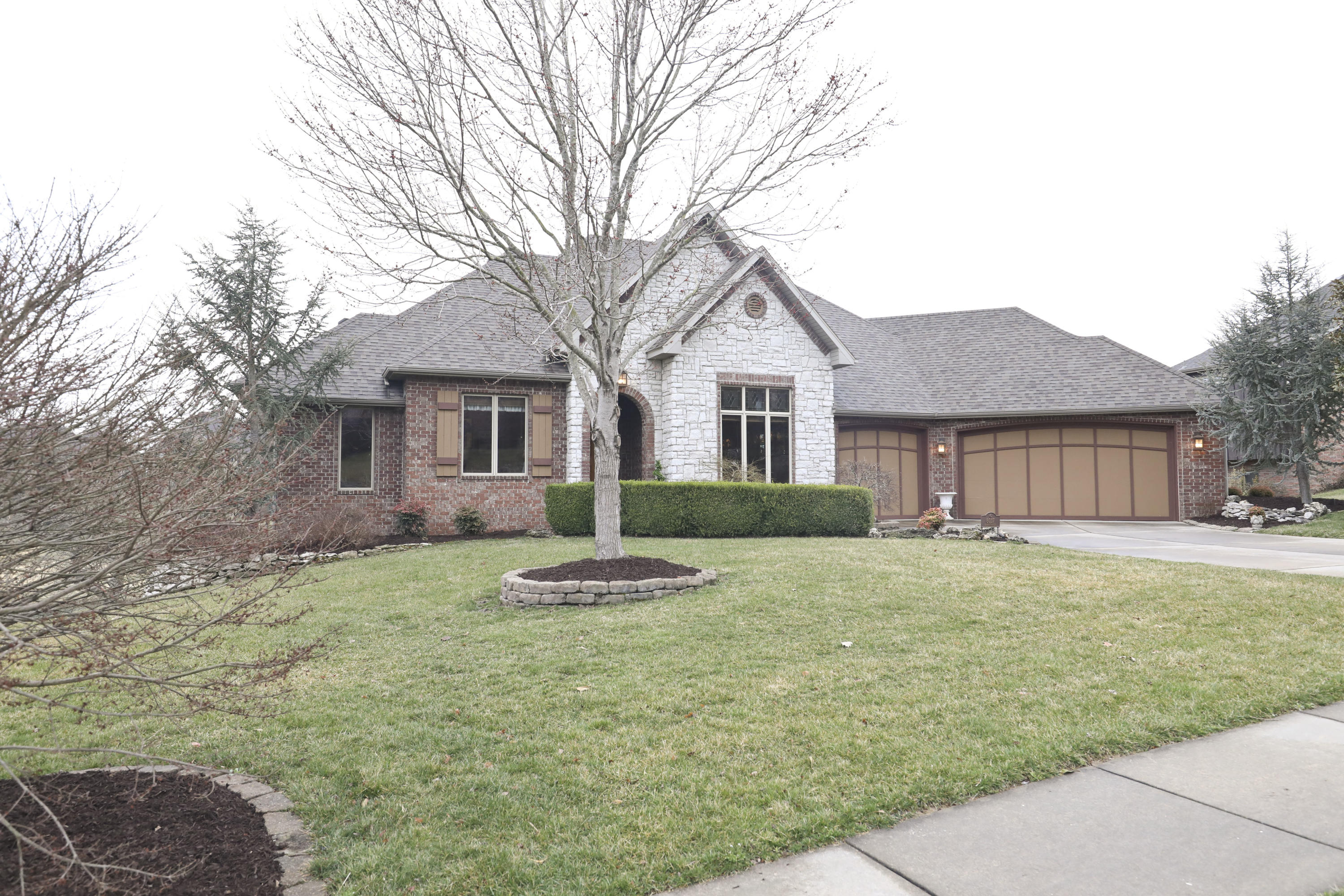 6017 South Brightwater Trail Springfield, MO 65810