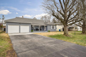 1446 South Kentwood Avenue, Springfield, MO 65804