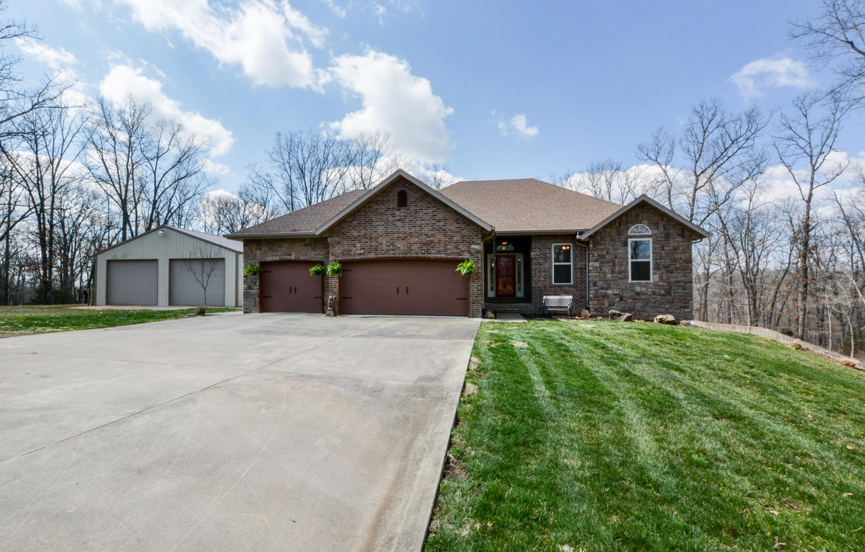 172 Elk Creek Road Highlandville, MO 65669