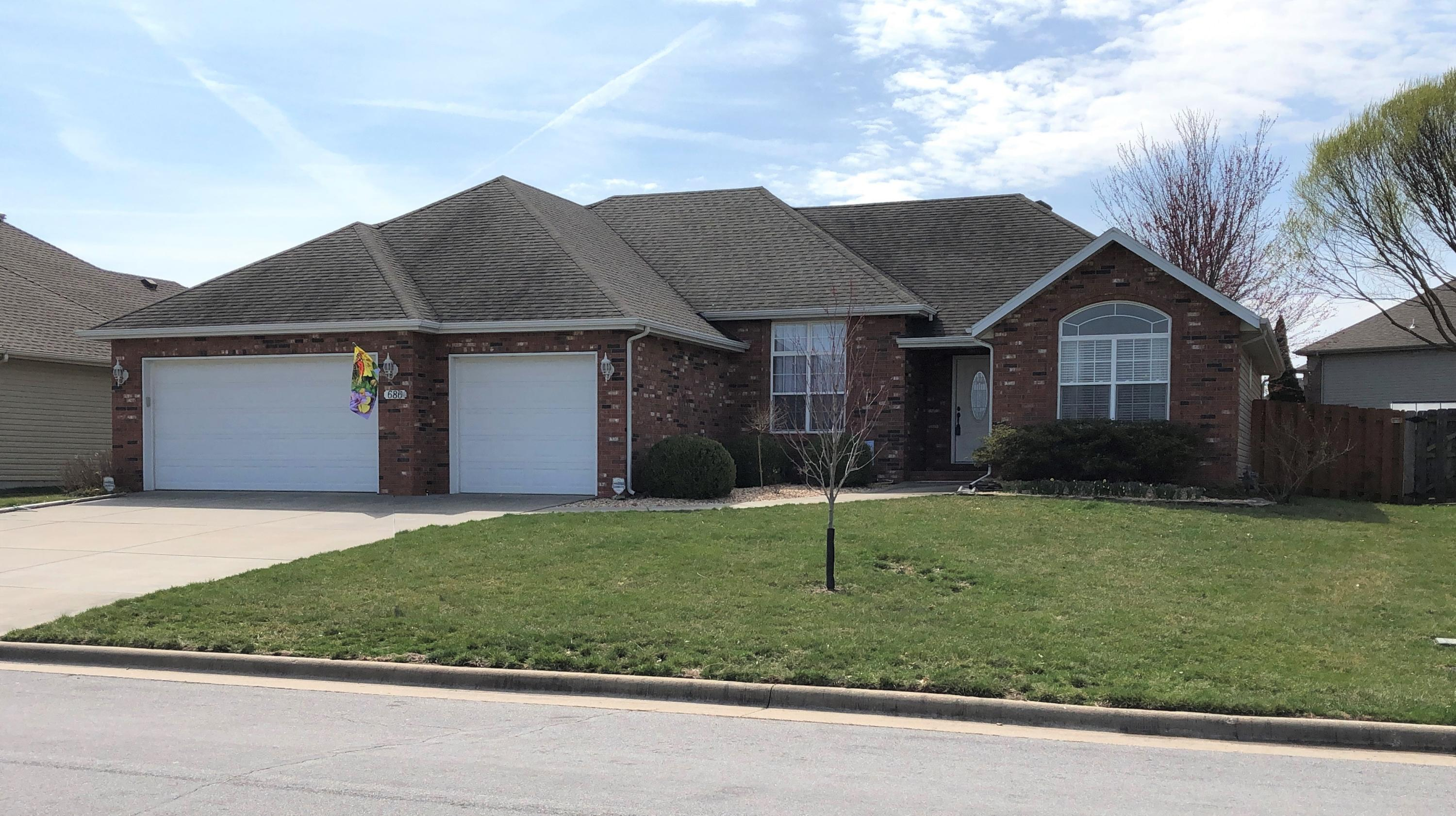 686 West Meadowgate Drive Springfield, MO 65803