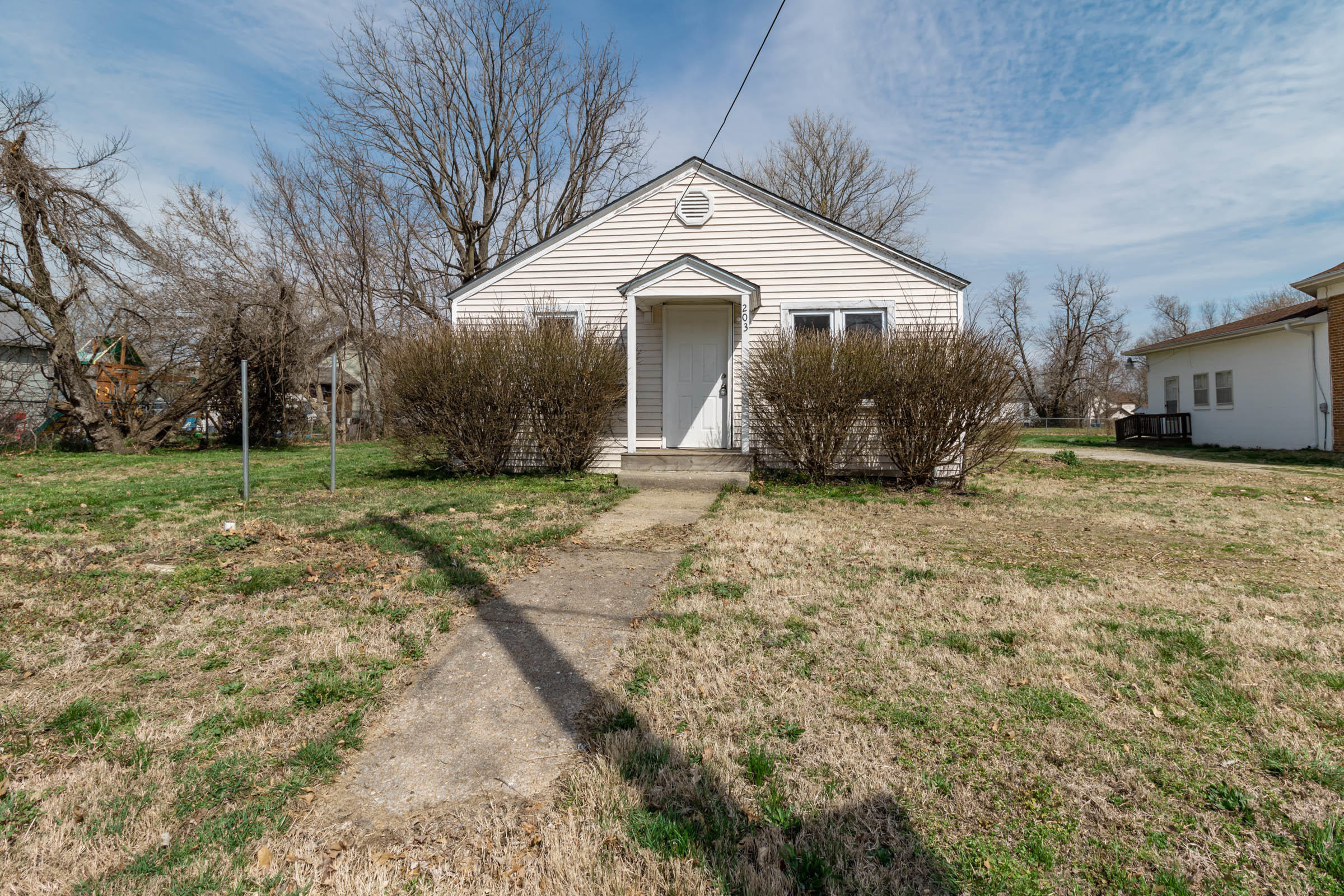 203 West Lincoln Street Marionville, MO 65705