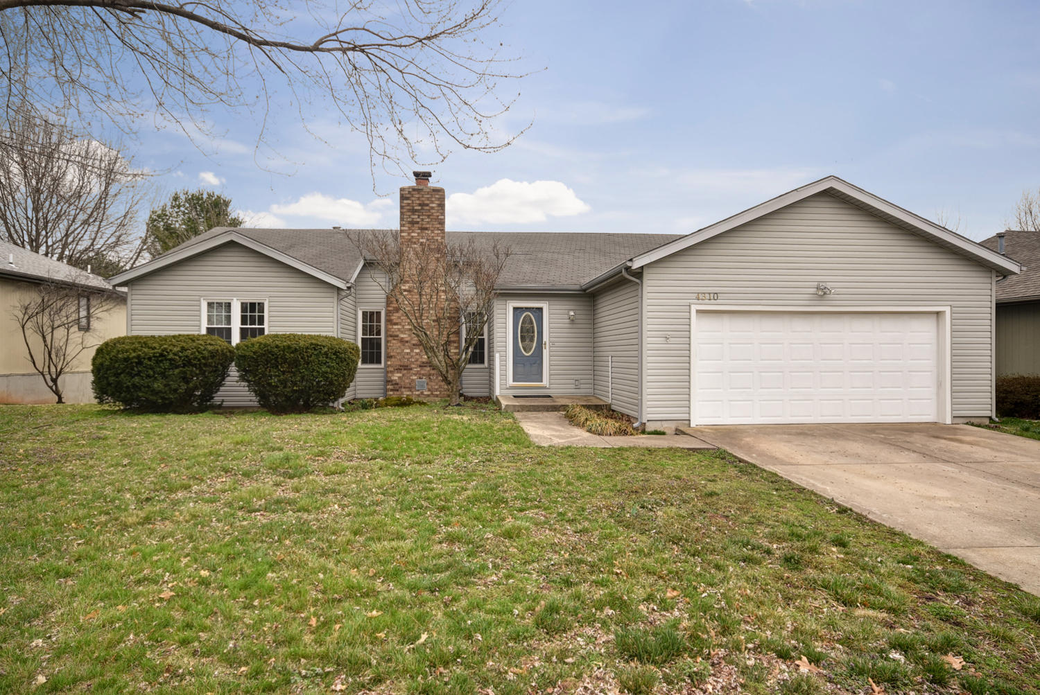 4310 South Oak Avenue Springfield, MO 65804