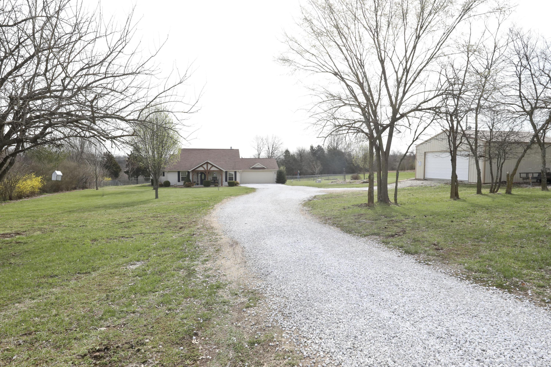 6056 North Farm Road Willard, MO 65781