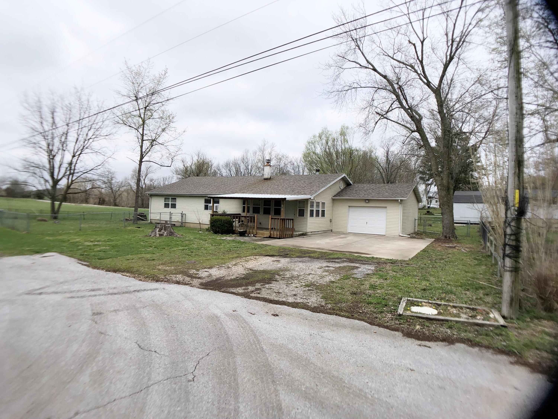 197 Hickory Street Sparta, MO 65753