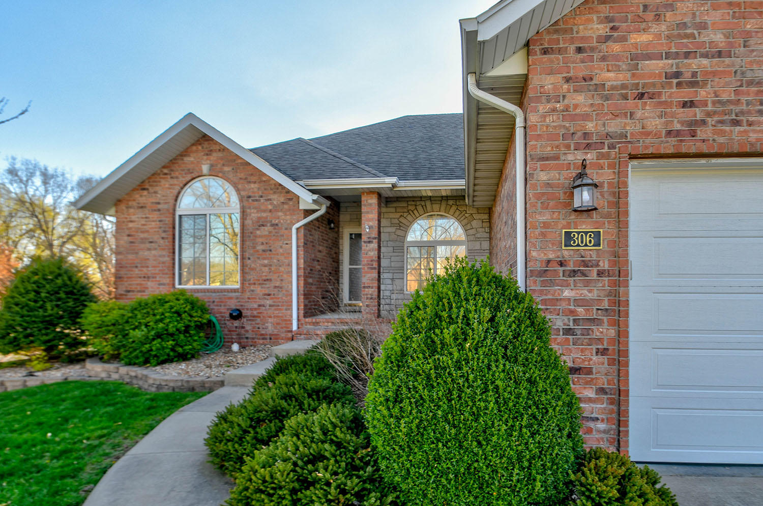 306 South River Birch Drive Springfield, MO 65809