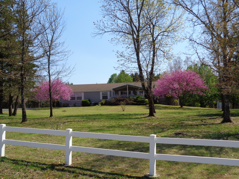 333 Lake Ranch Rd. Kissee Mills, MO 65680