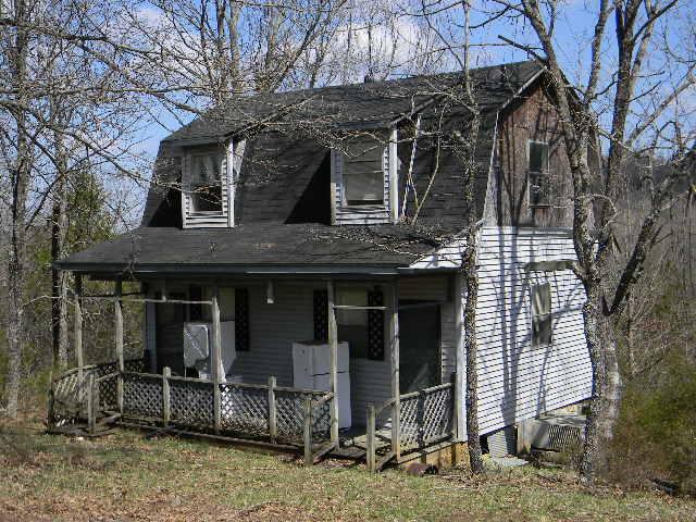 724 C.r. Gainesville, MO 65655