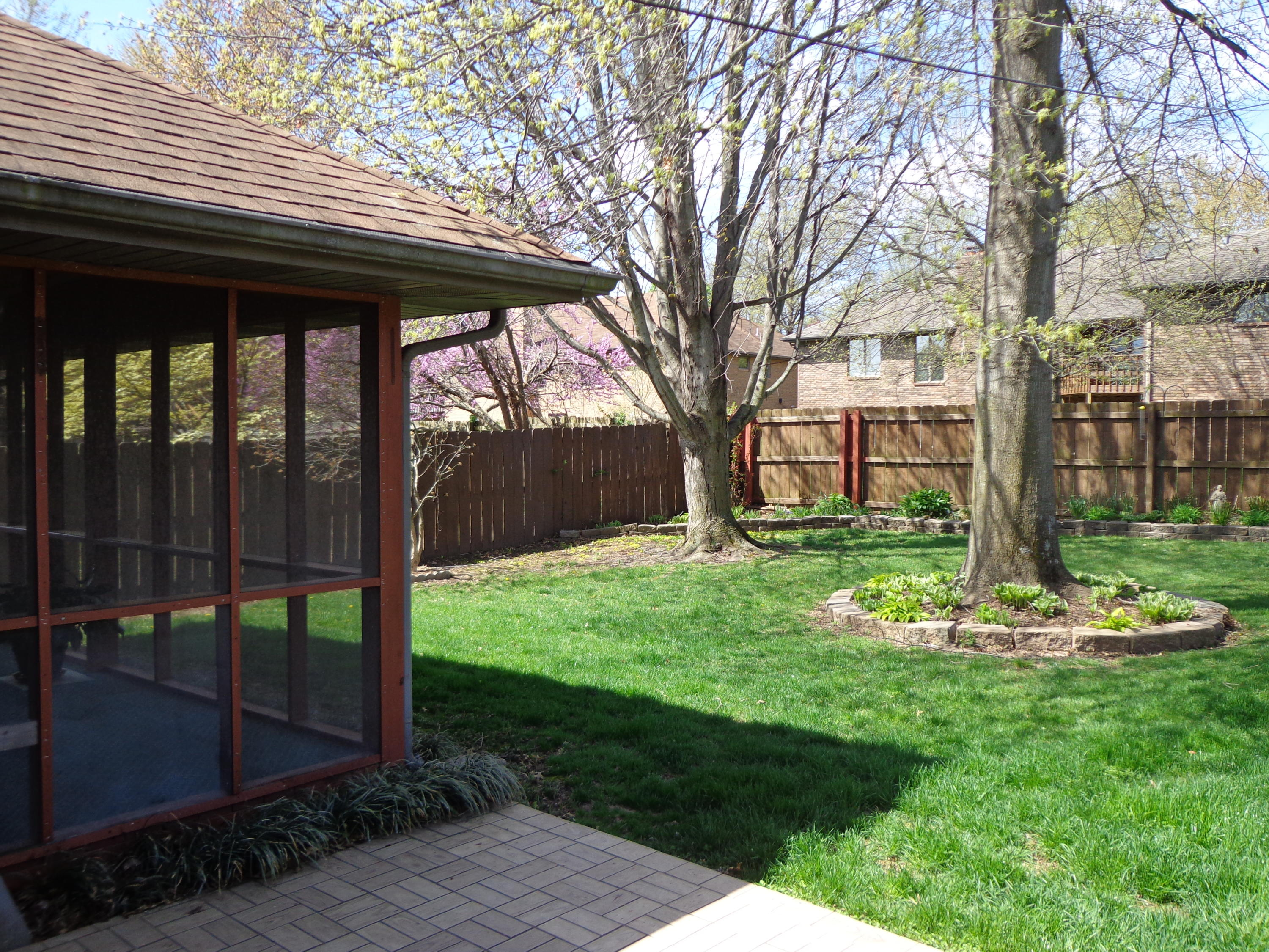 1961 South Forrest Heights Avenue Springfield, MO 65809