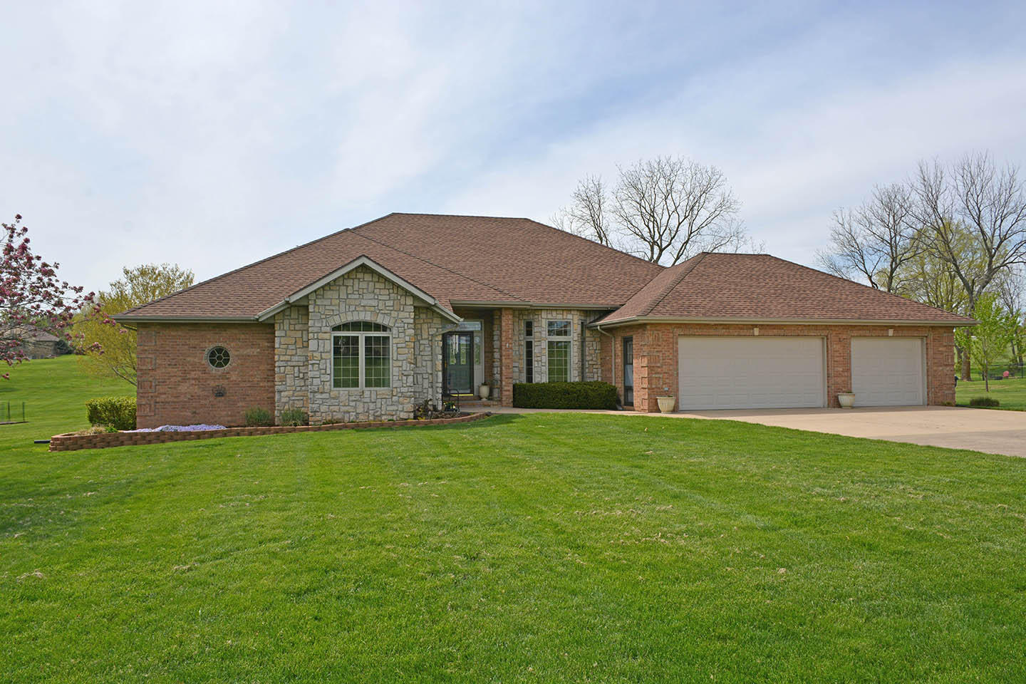 4503 North Quail Run Road Ozark, MO 65721