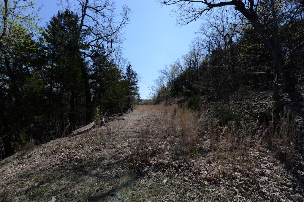 407 Happy Hollow Road Blue Eye, MO 65611