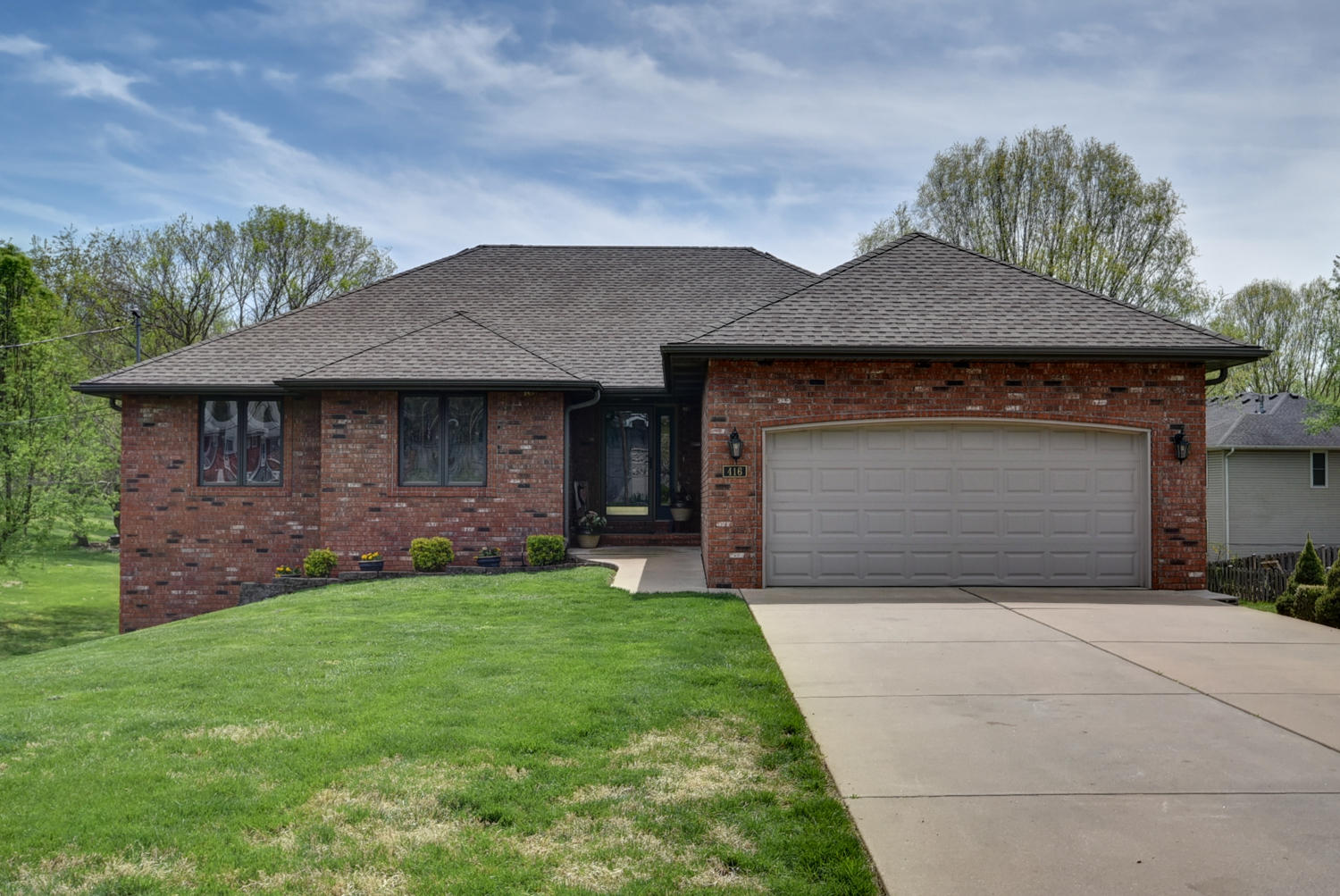 416 East Manchester Road Springfield, MO 65810