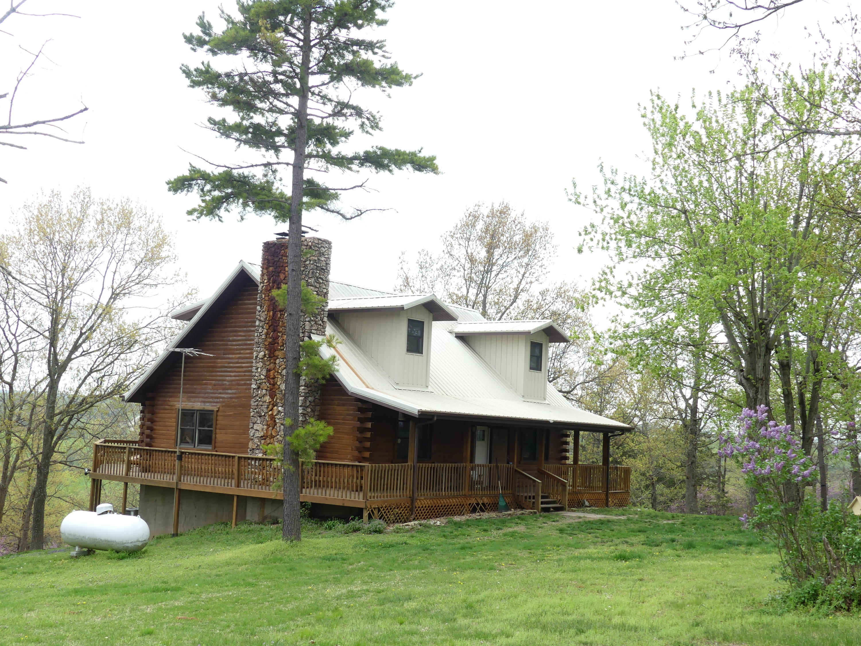 39 Redbud Cabin Lane Fair Grove, MO 65648