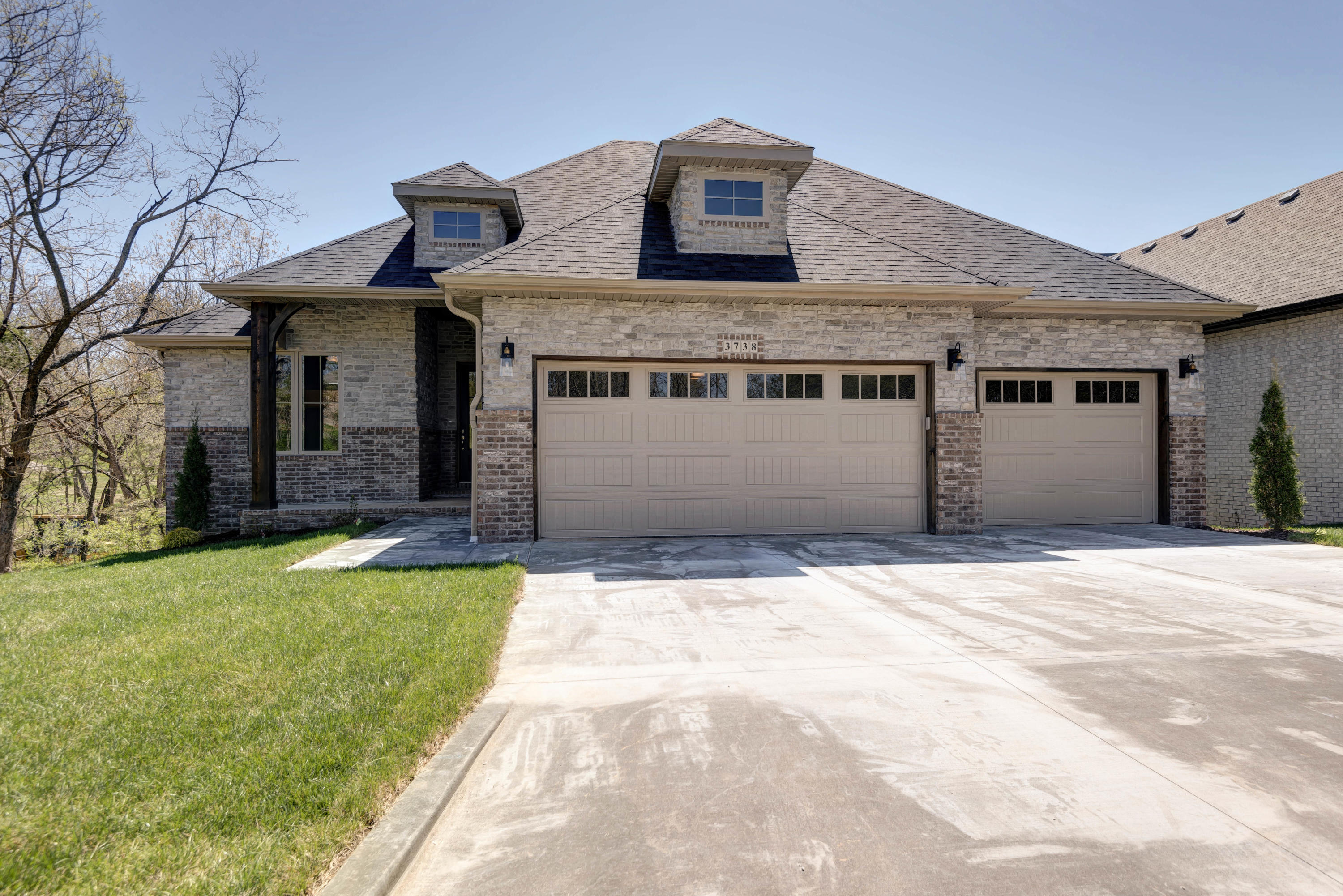 3738 East Cypress Point Springfield, MO 65809