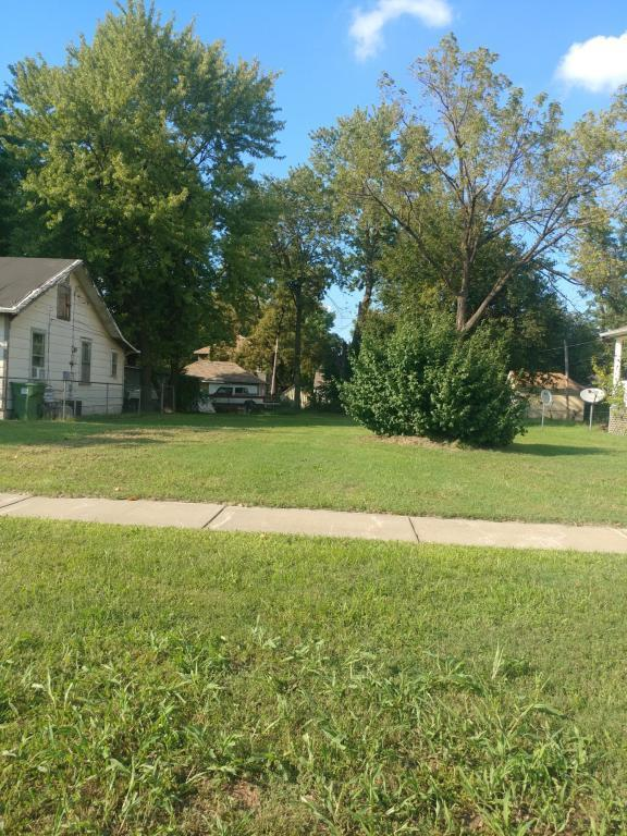 1321 West Chase Street Springfield, MO 65803