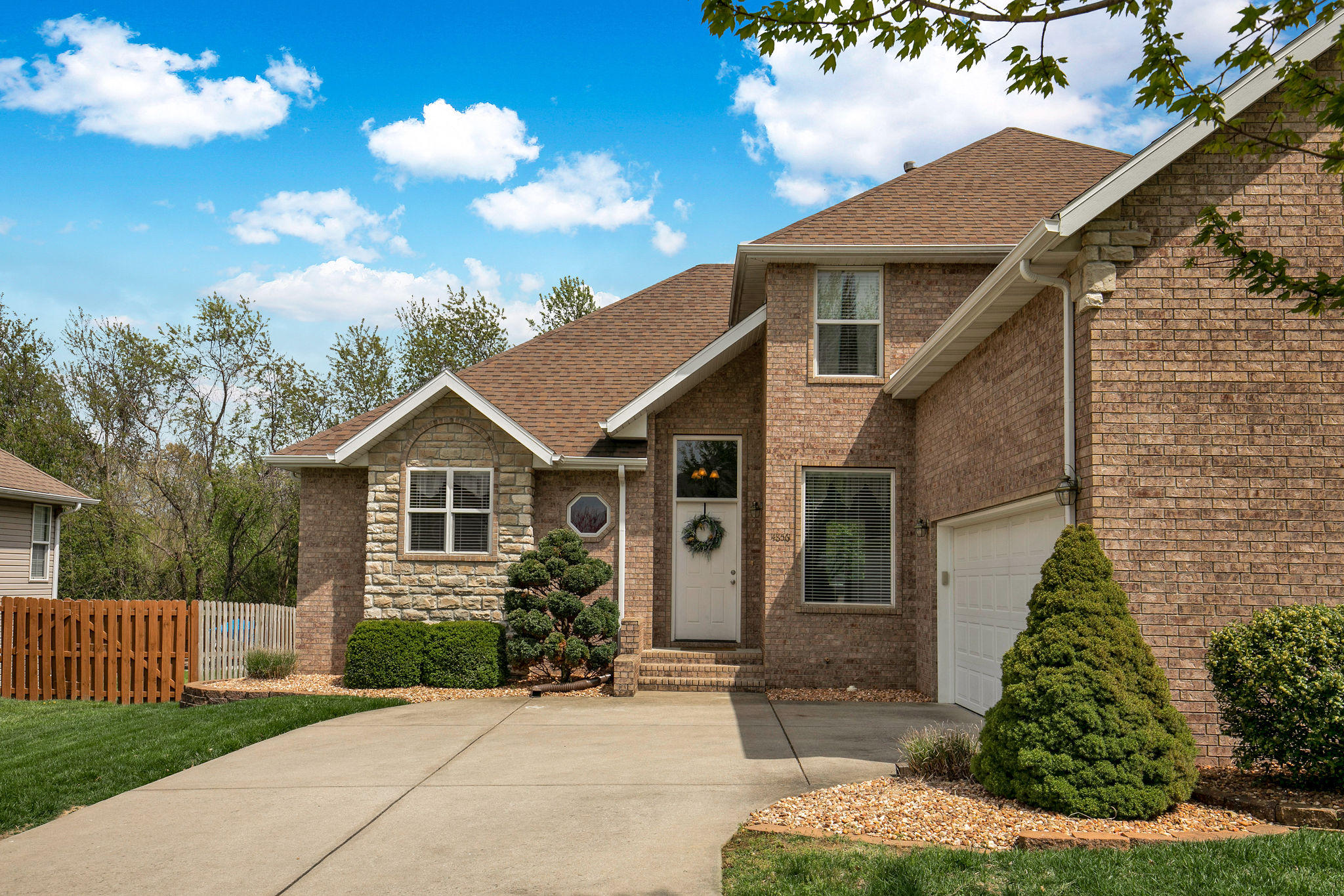 4856 South Tanager Avenue Battlefield, MO 65619