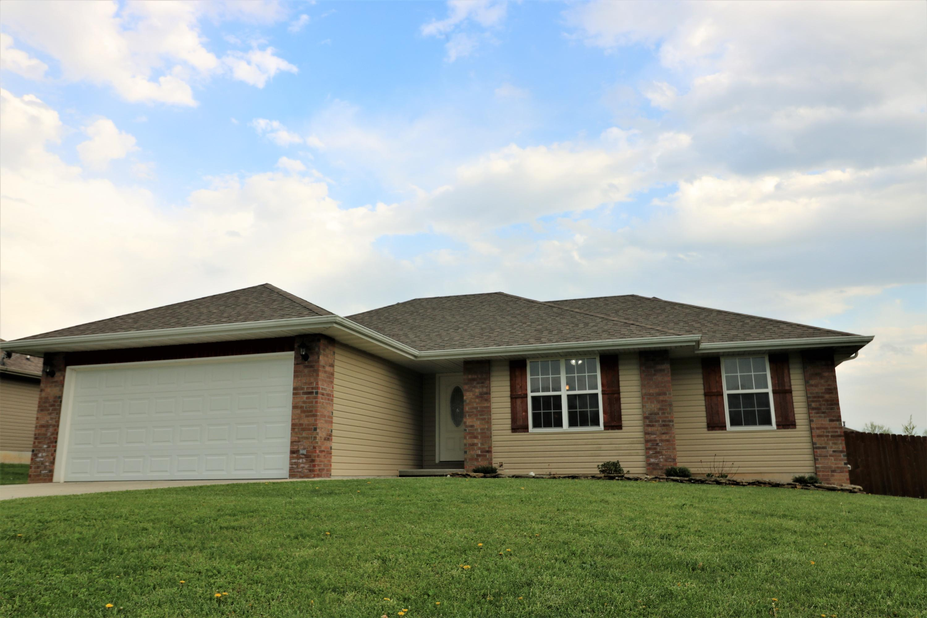 710 West Christopher Lane Clever, MO 65631