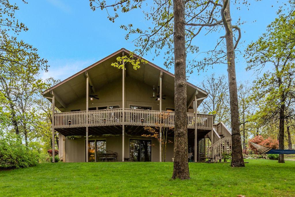 566 Peninsula Estates Lane Kimberling City, MO 65686