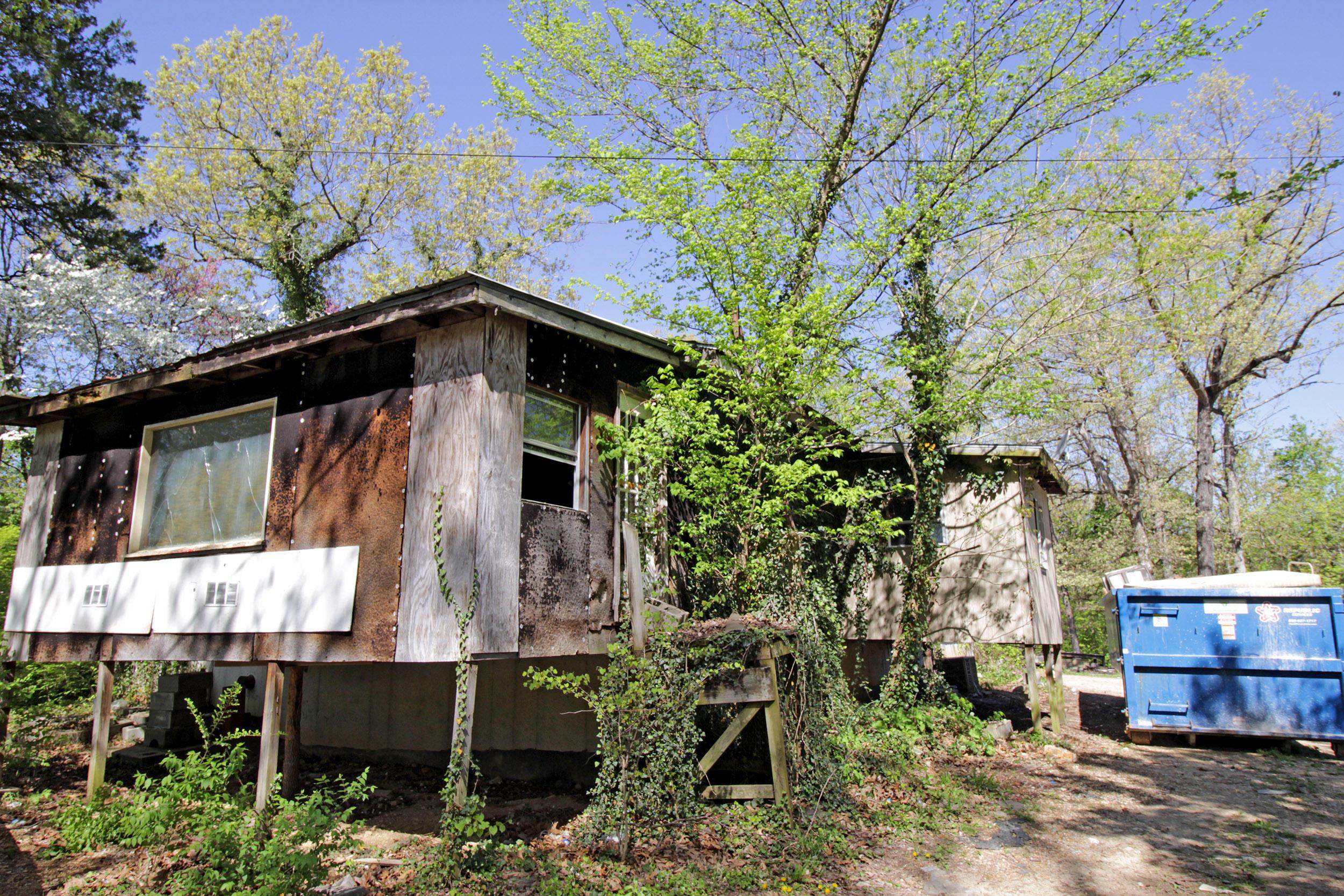 235 Deer Lane Kirbyville, MO 65679