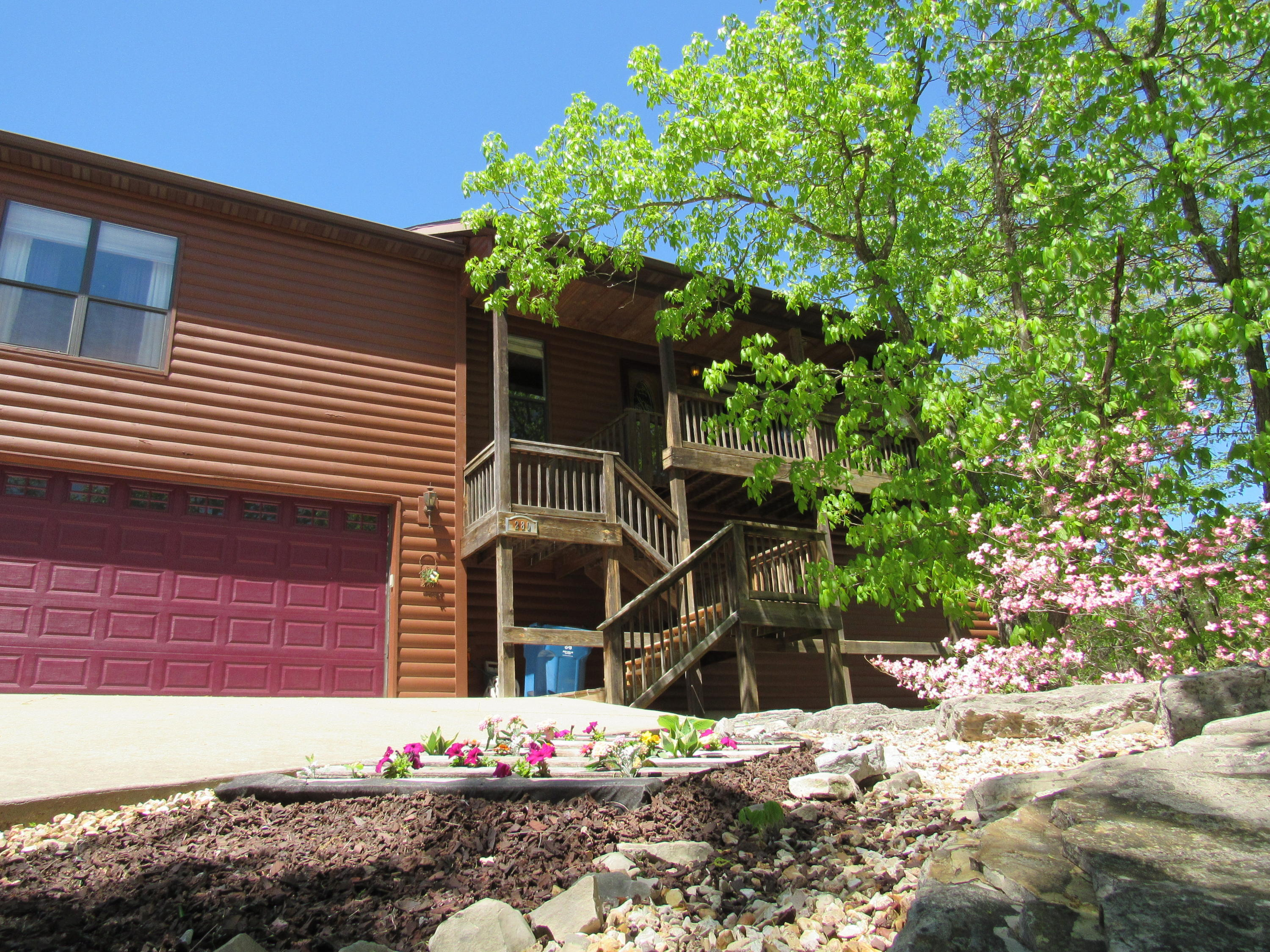 280 Pine Woods Village Drive Hollister, MO 65672