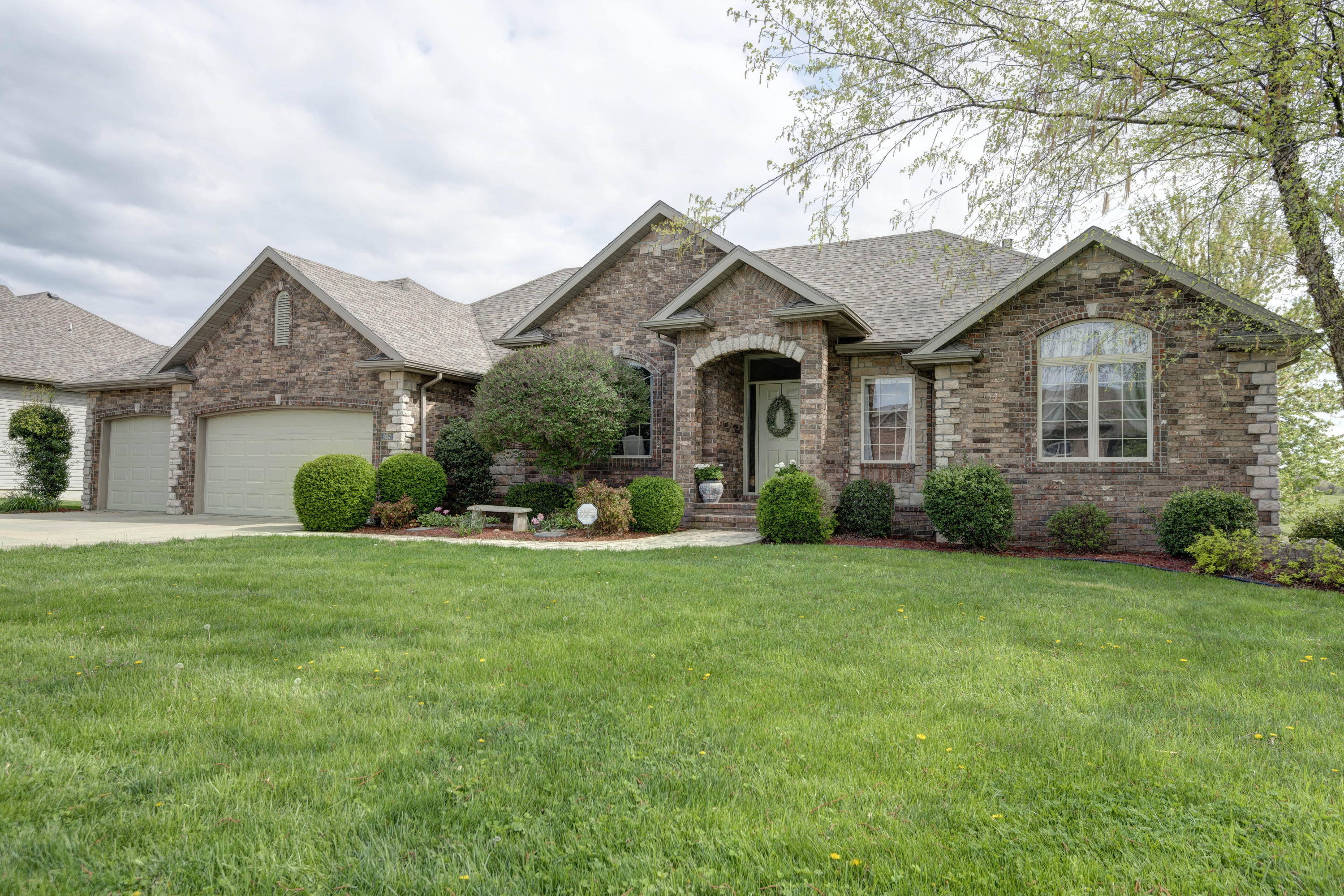 527 Piperpoint Rogersville, MO 65742