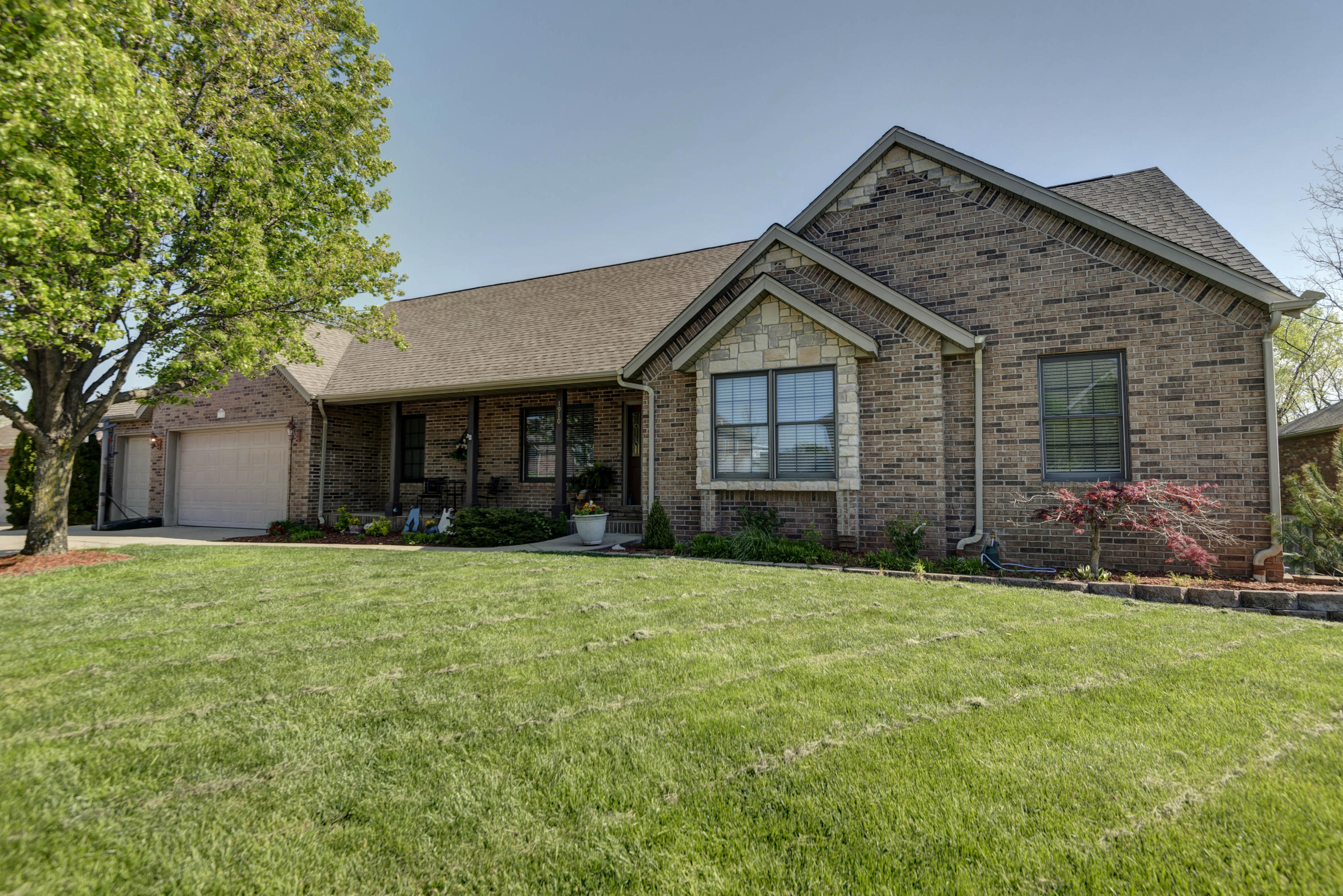 1910 North 7Th Avenue Ozark, MO 65721