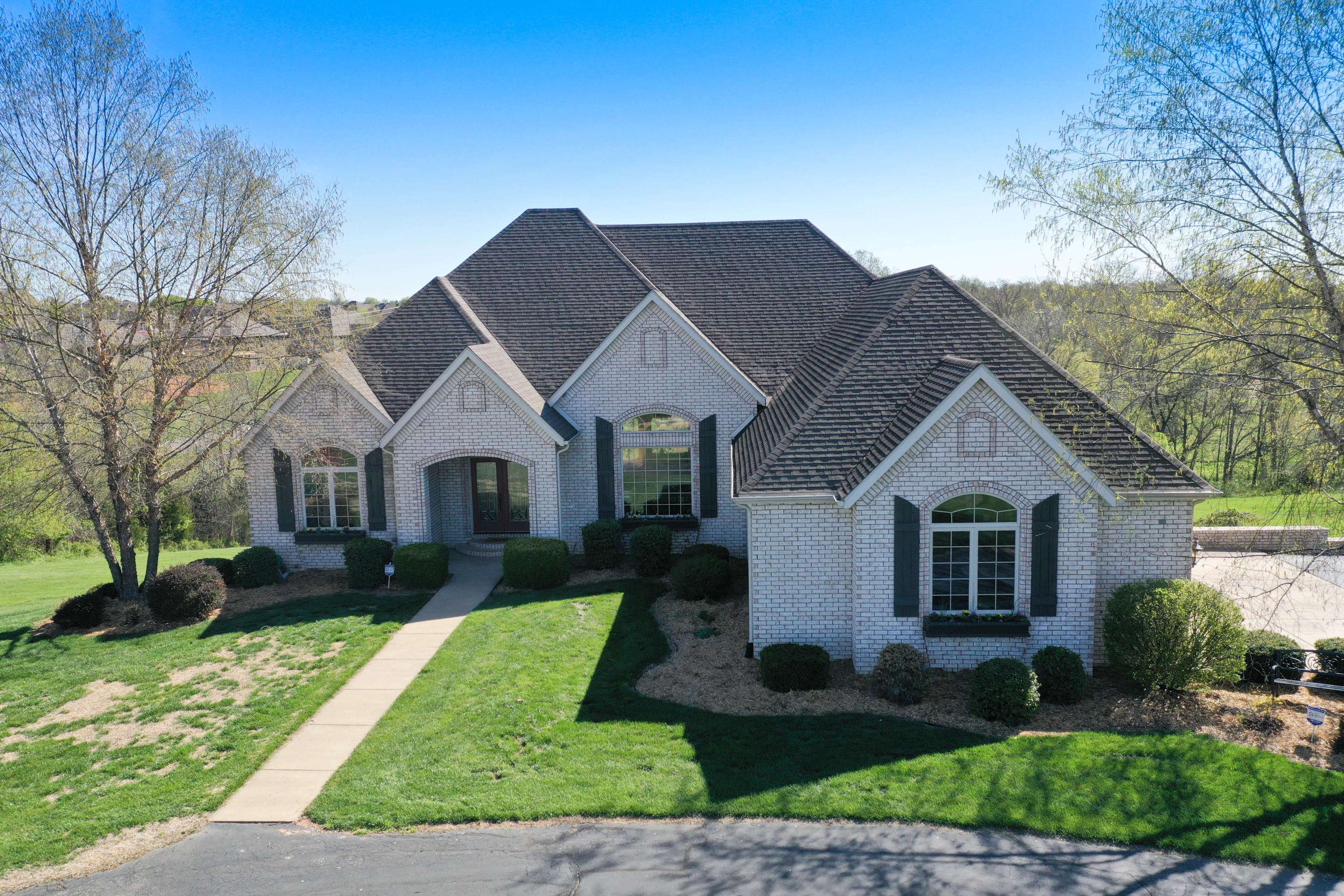 458 North Waterford Way Nixa, MO 65714