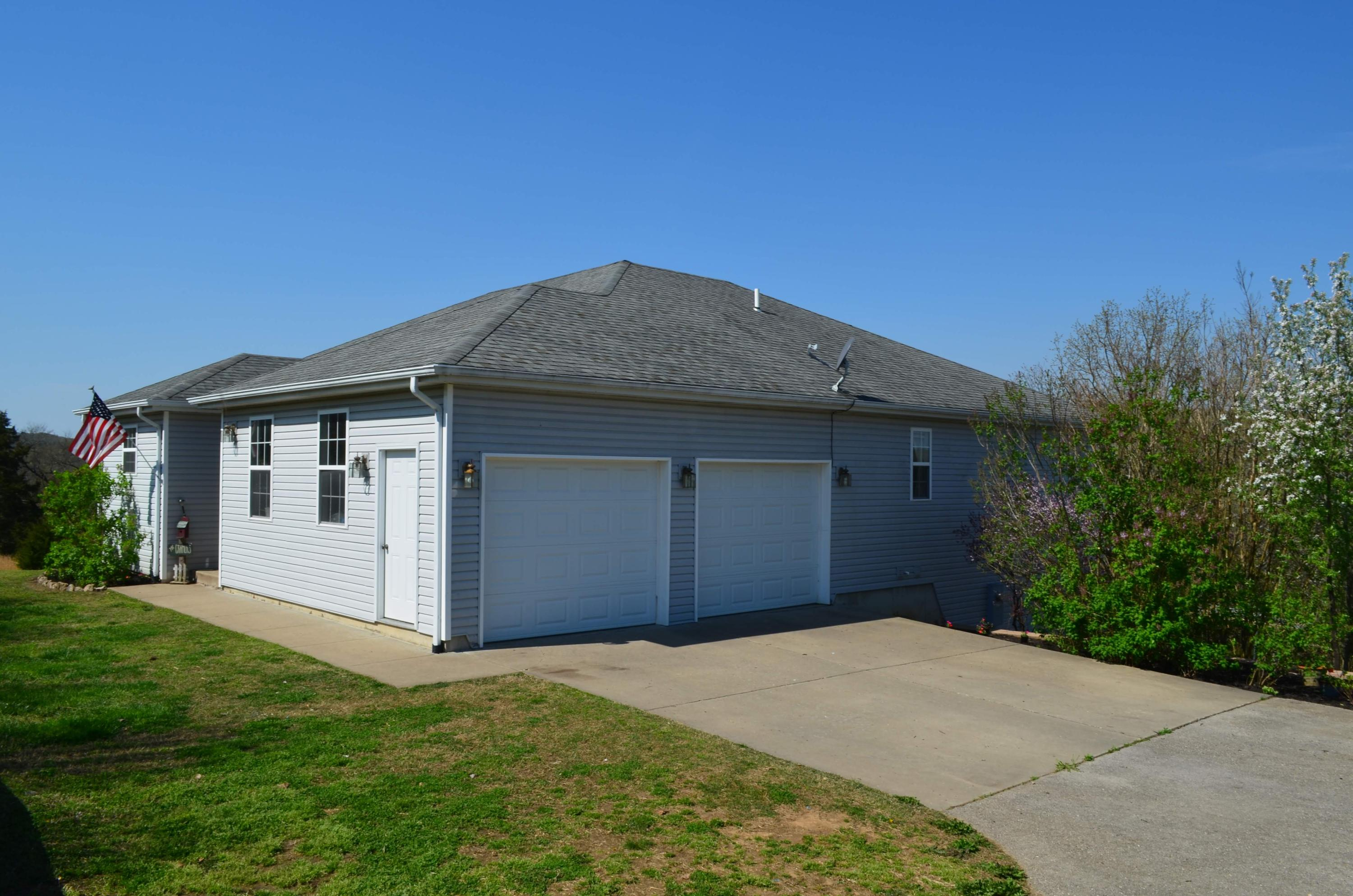 115 Gray Wolf Road Hollister, MO 65672