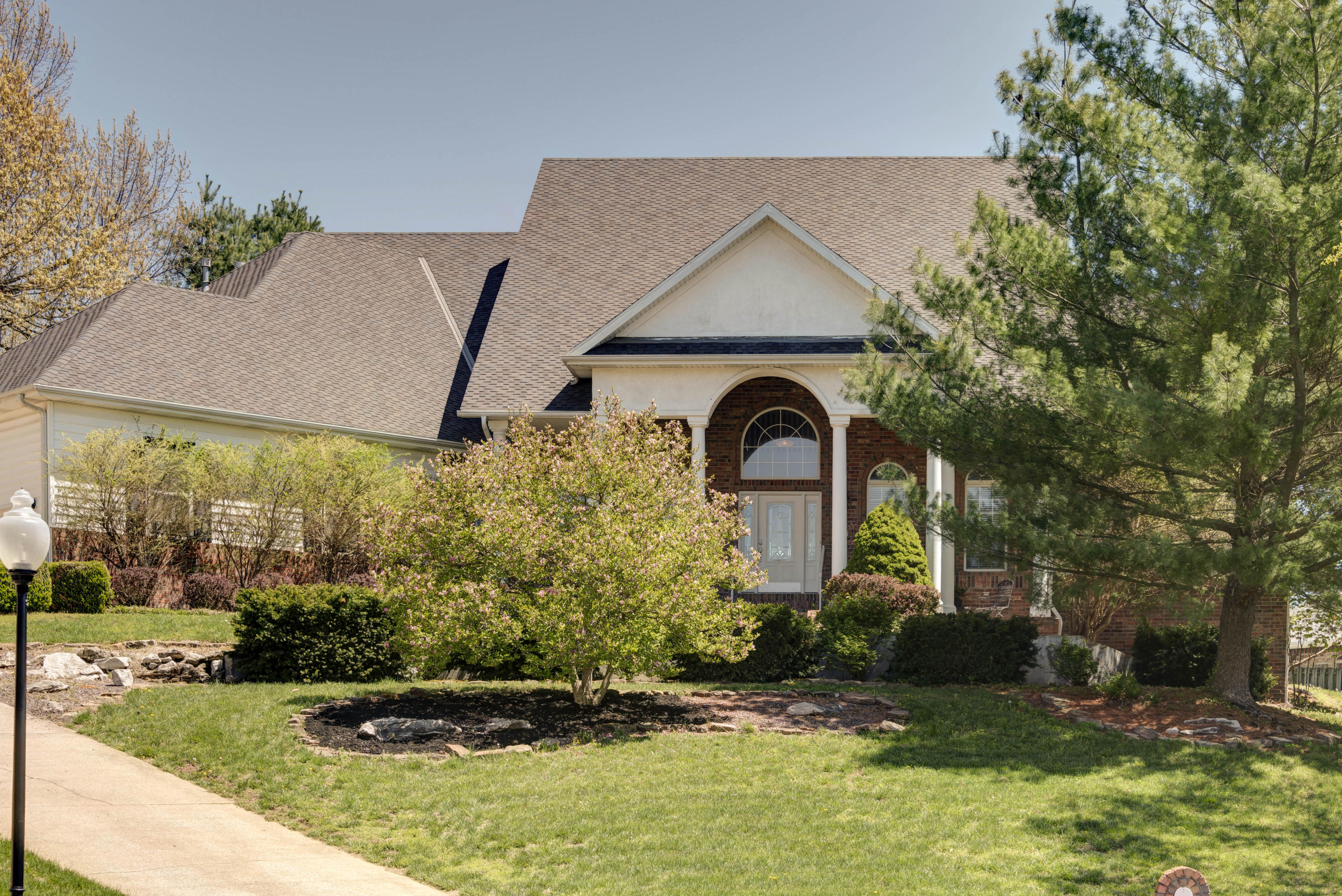 5010 South Norshire Court Springfield, MO 65804