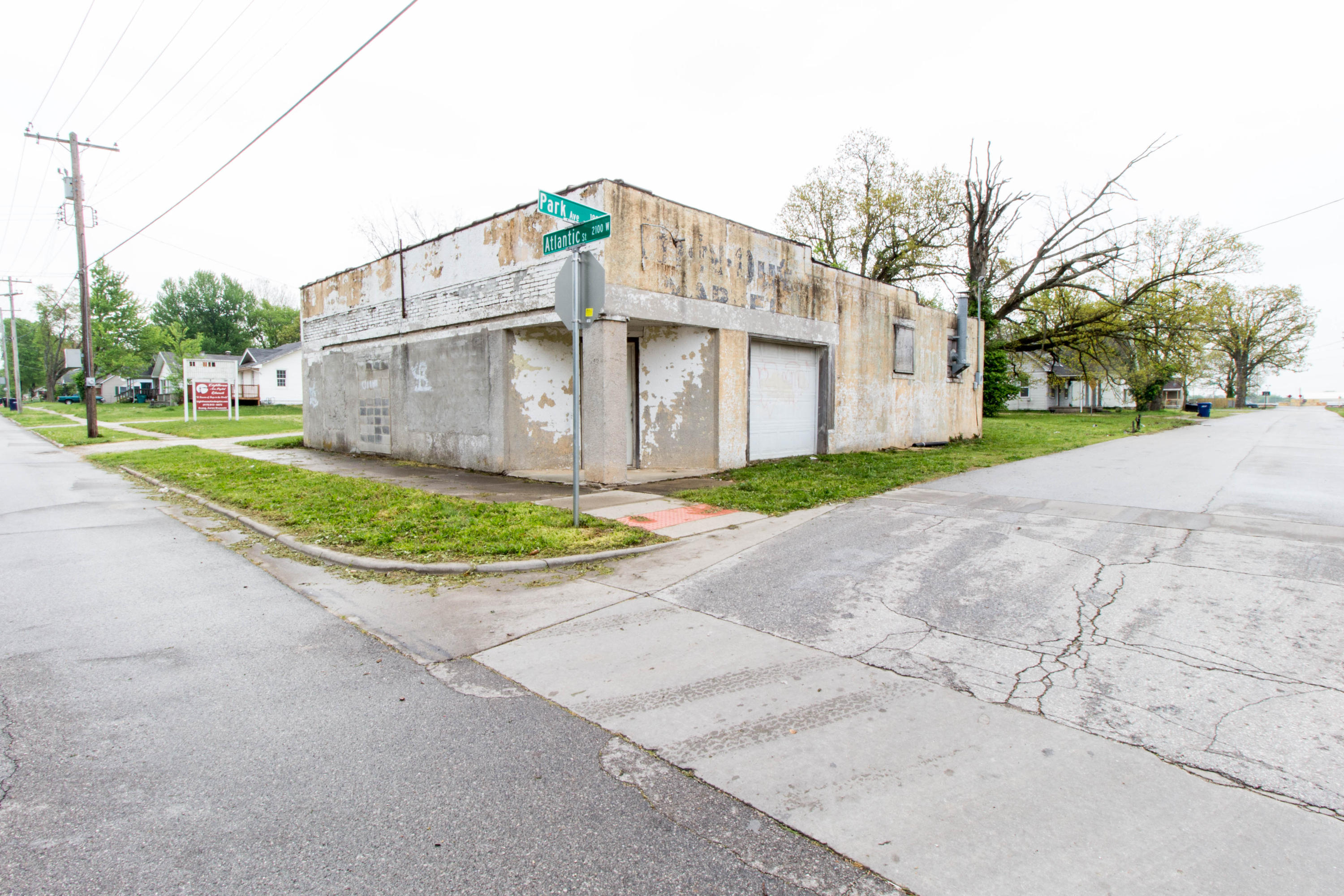 2142 West Atlantic Street Springfield, MO 65803